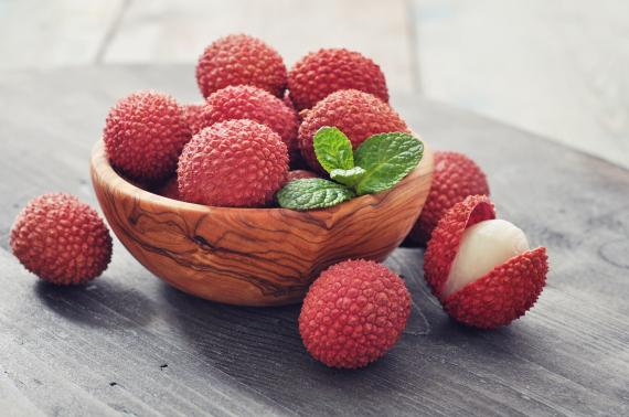 احذروا هذه الفاكهة.. فإنها تتسبَّب في موت مئات الأطفال سنوياً