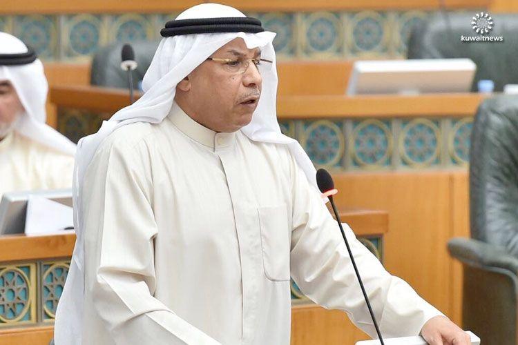 """إيقاف ثلاثة ضباط بعد انتحار """"سجين"""" في الكويت"""