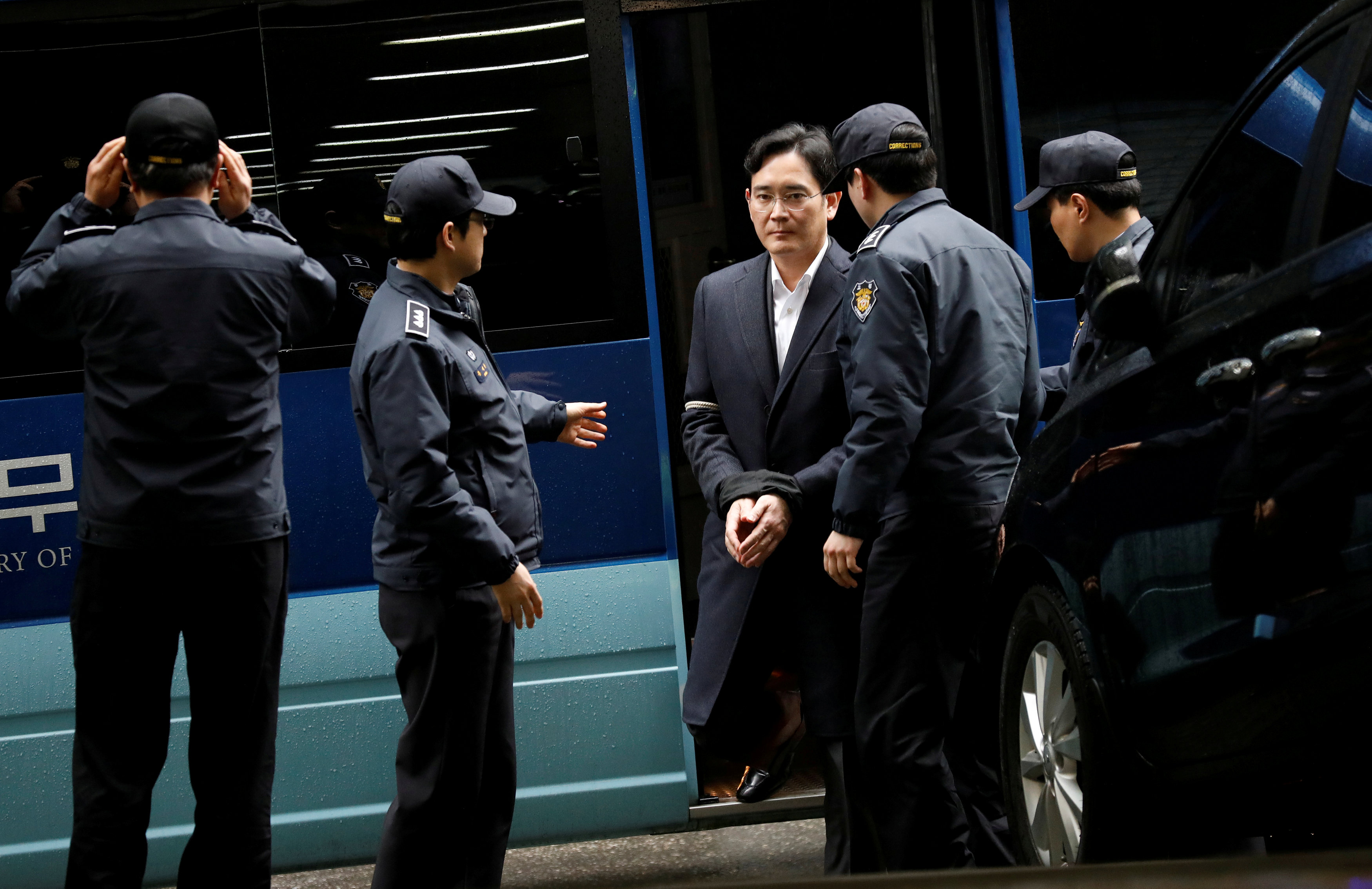 Jailed Samsung chief can get plenty of visitors