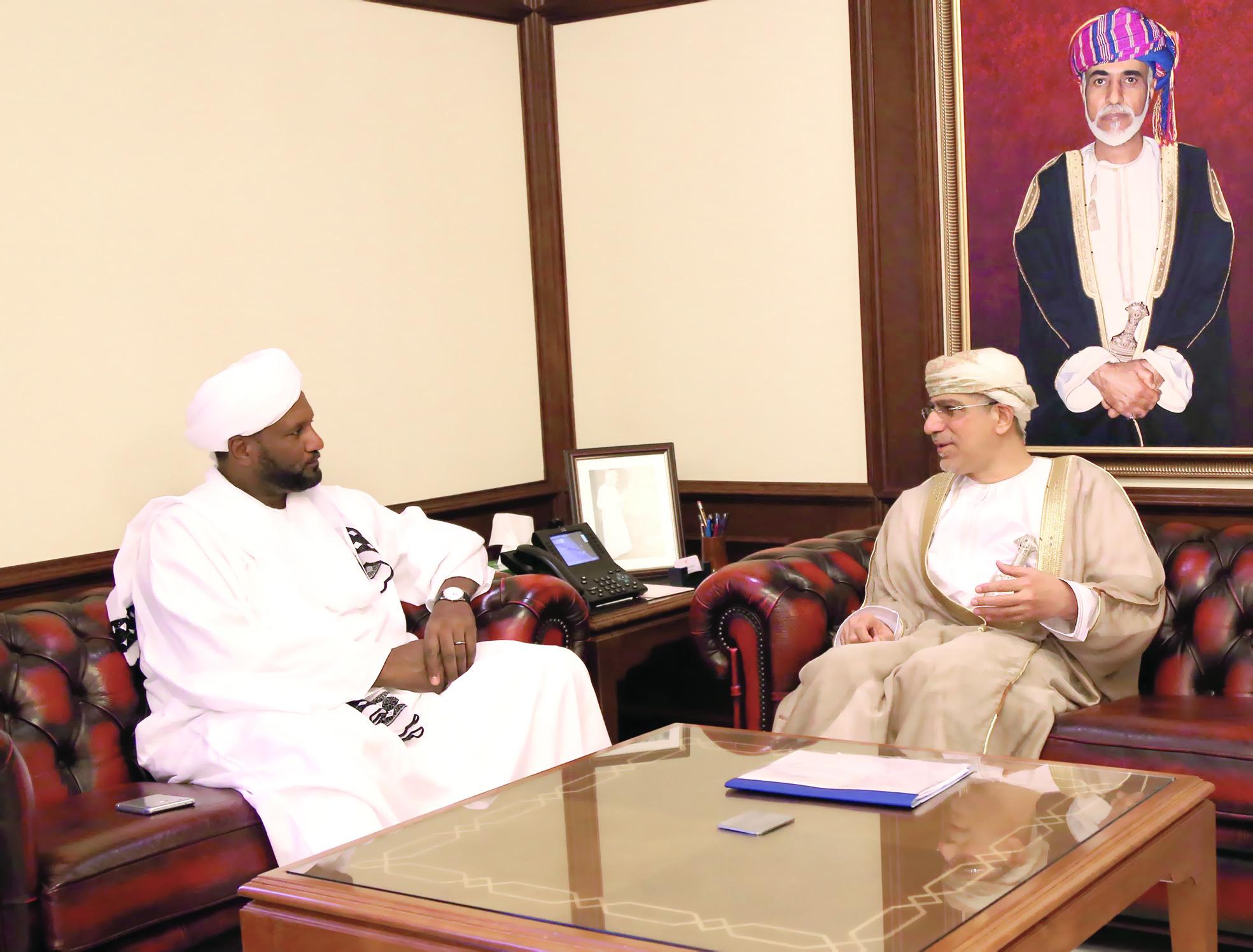 الساجواني يبحث ومساعد الرئيس السوداني مجالات التعاون