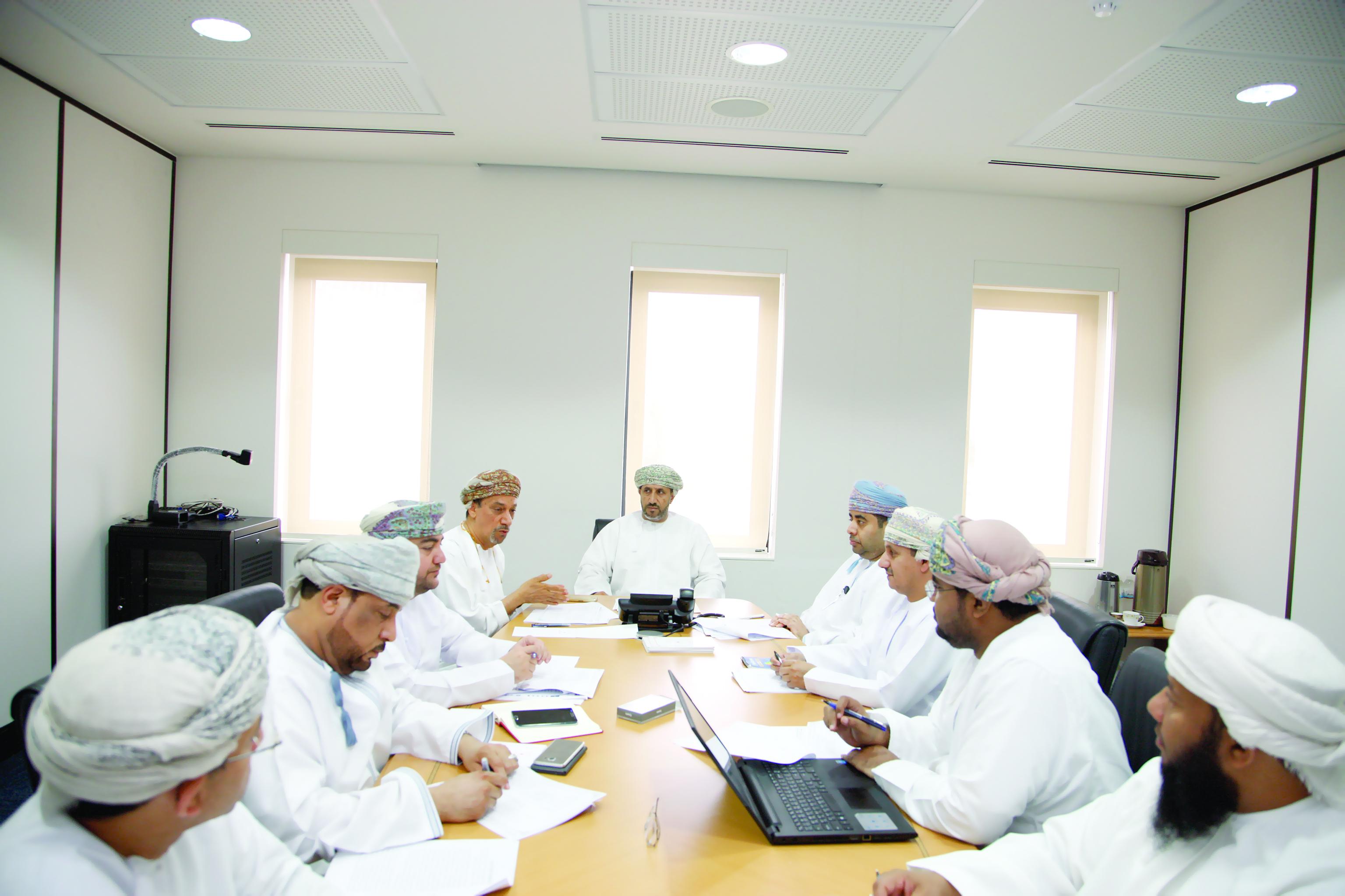 """اللجنة المشتركة للتعمين في مجال الصناعة تناقش توصيات """"تنفيذ"""""""
