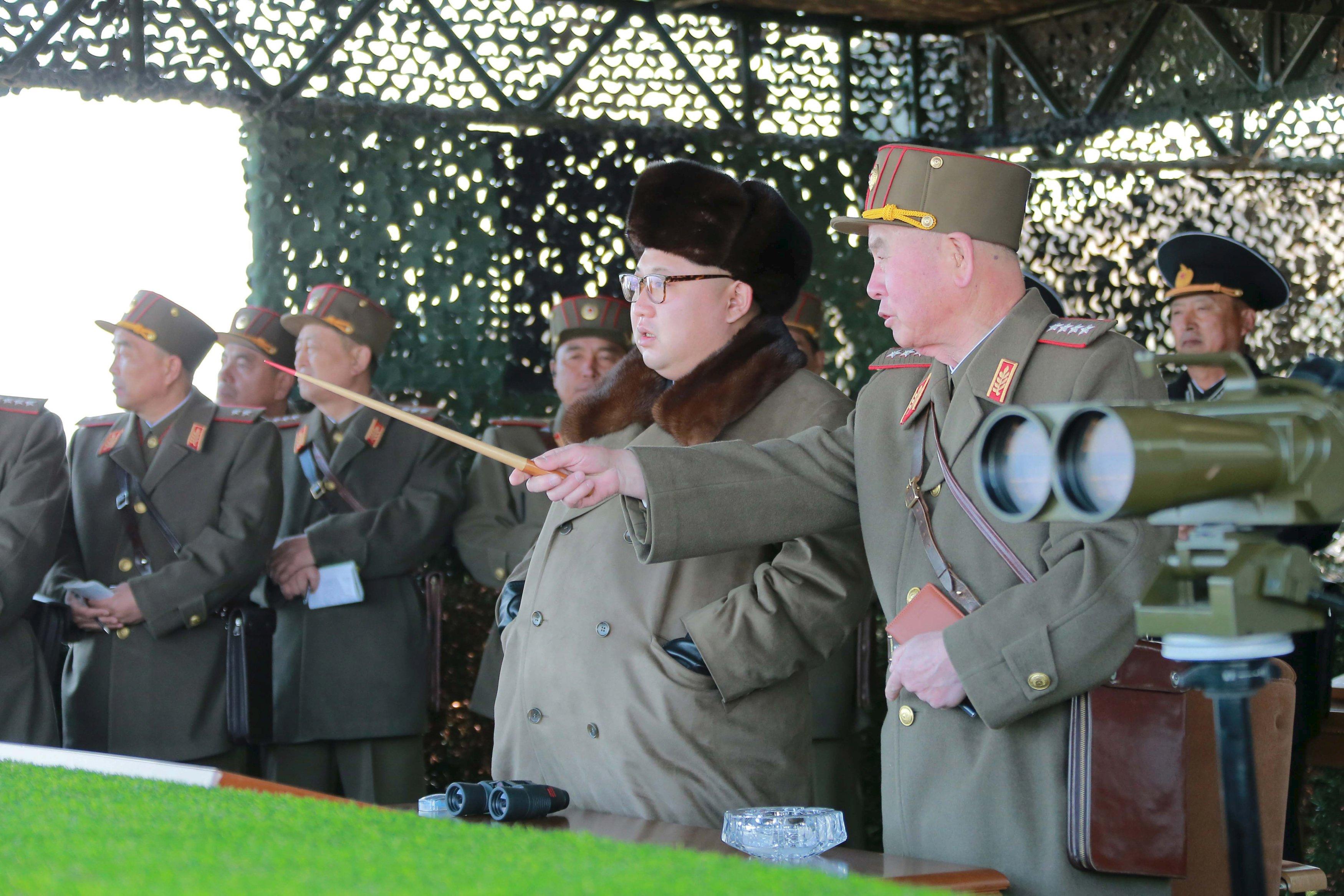 """هل تكرر كوريا الشمالية سيناريو أزمة """"الصواريخ الكوبية""""؟"""