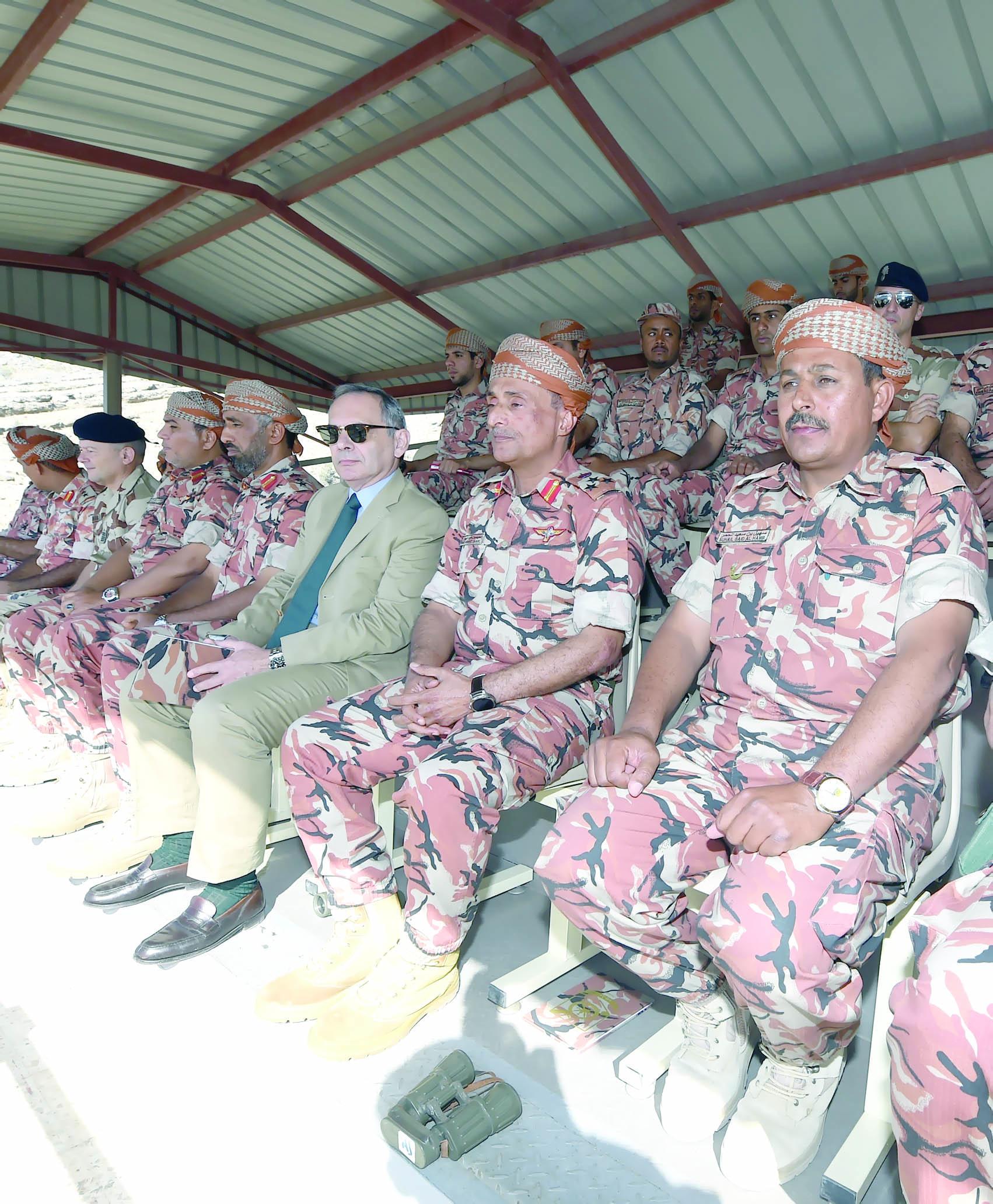 تمرين مشترك بين الجيش السلطاني ووحدات من القوات المسلحة الفرنسية