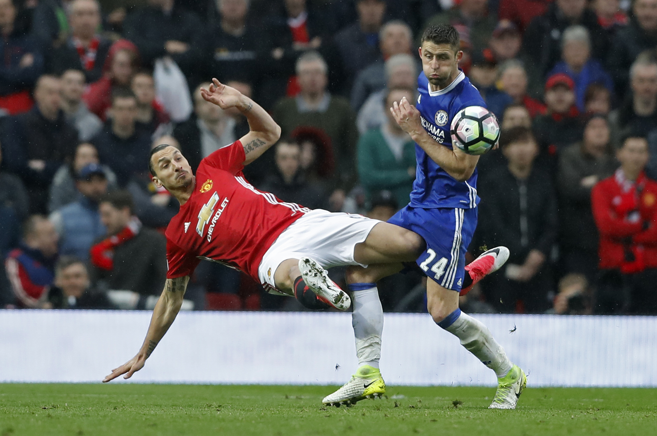 Football: Man United loss a wake-up call for Chelsea, says Cahill