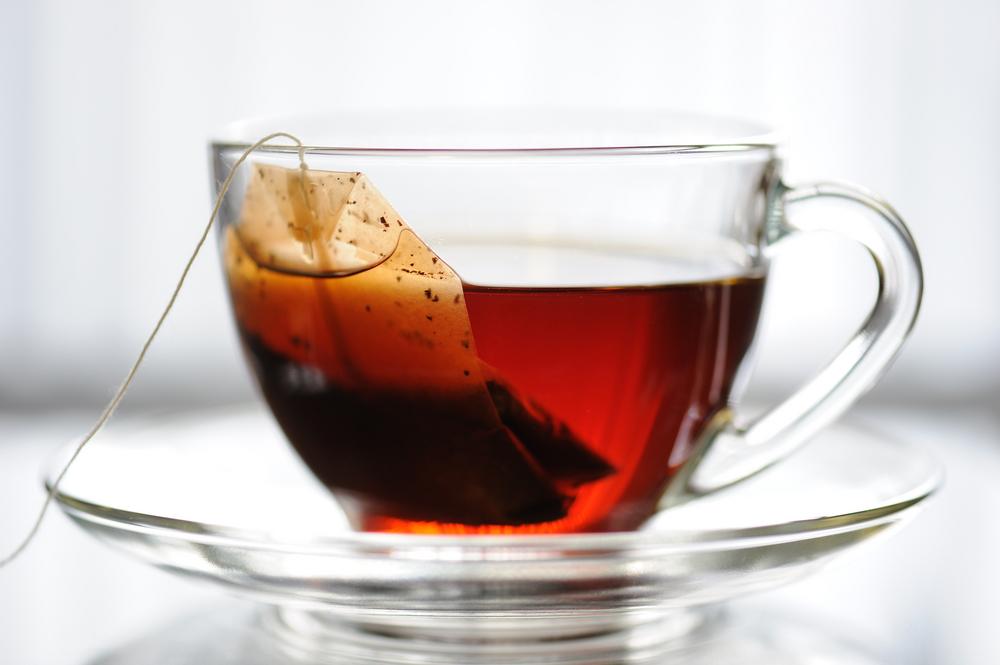 أيهما أفضل صحياً.. إعداد الشاي بالميكرويف أم الغلاية؟