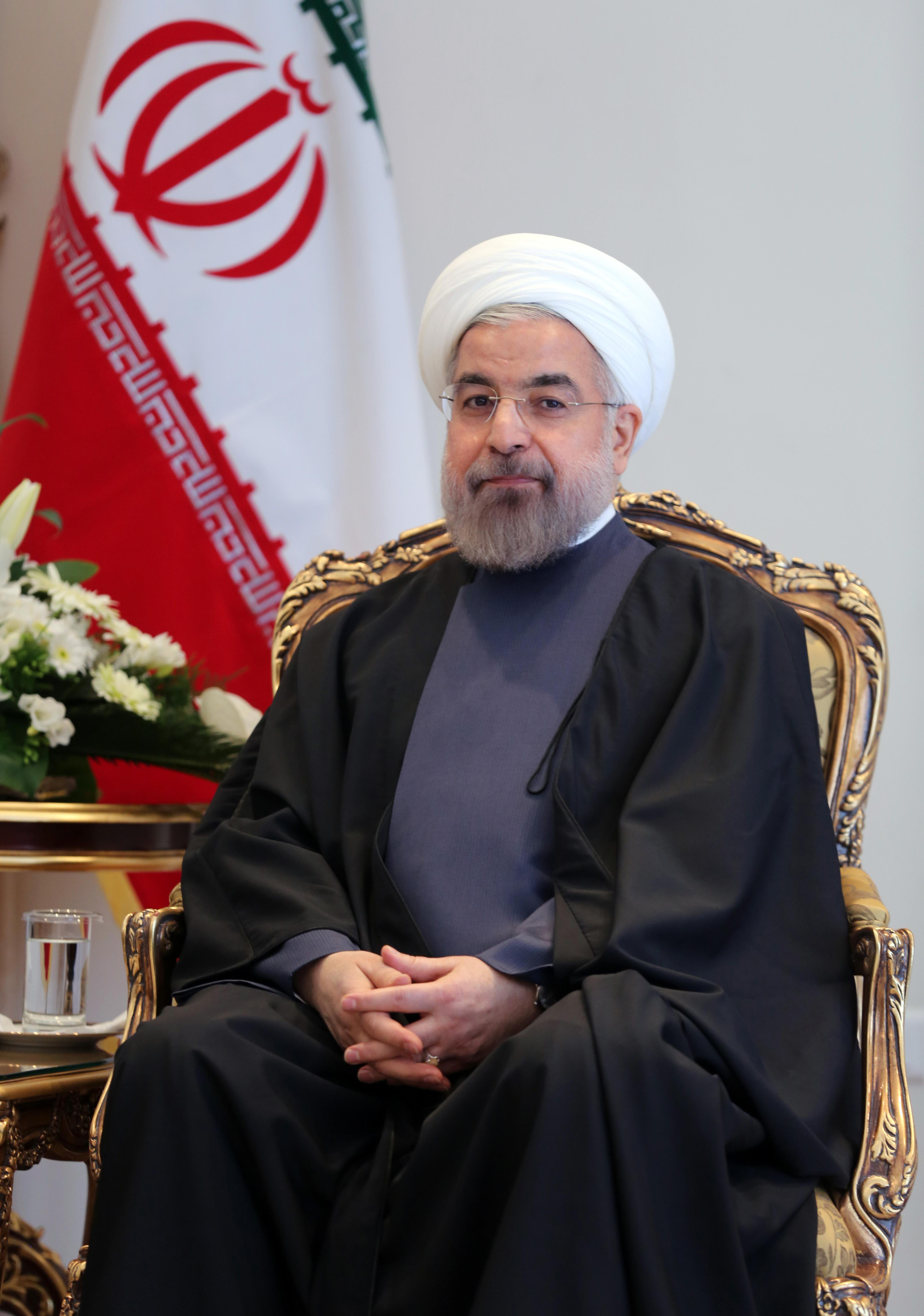 روحاني يواجه منافسيه في الانتخابات في مناظرة تلفزيونية