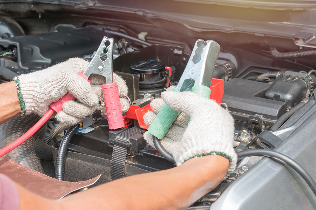 Oman motoring: How to safely jump start a car battery