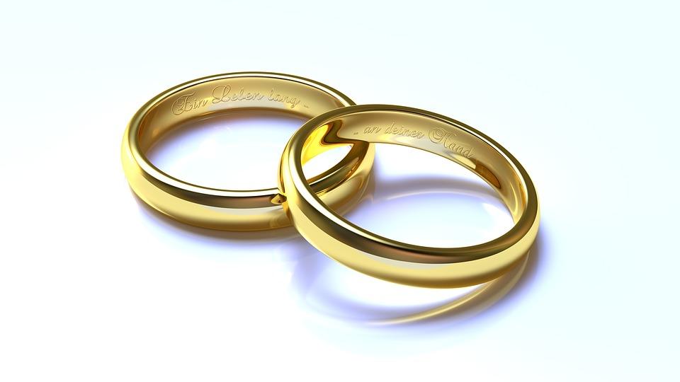 بالأرقام.. ارتفاع عدد العُمانيين والعمانيات المتزوجين من أجانب في الـ2016