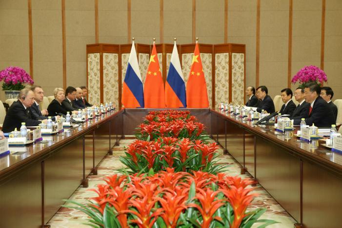 الصين تتعهد بتخصيص 124 بليون دولار لطريق الحرير الجديد