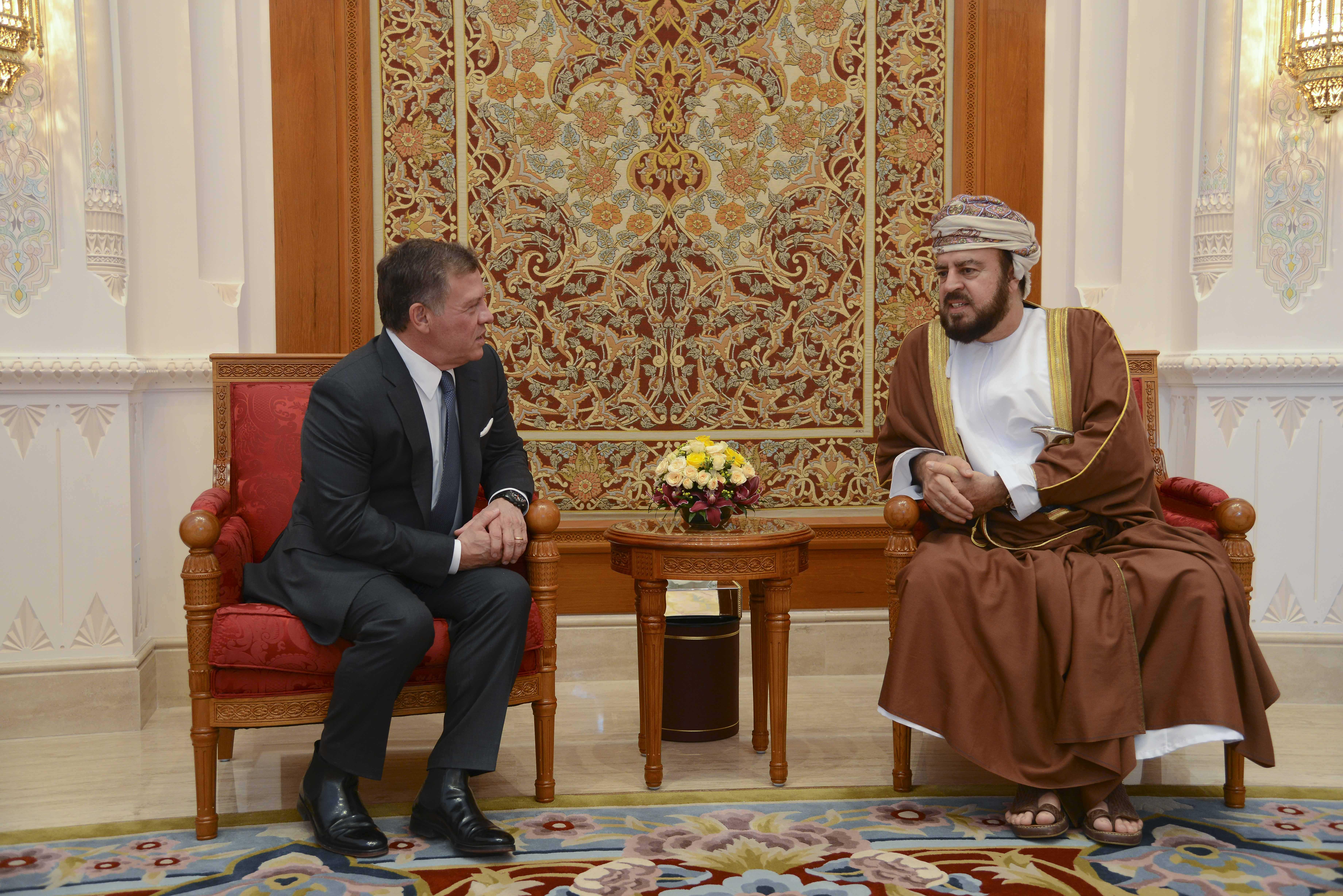 يلتقي خلالها جلالة السلطان قابوس.. ملك الأردن يصل السلطنة في زيارة خاصة