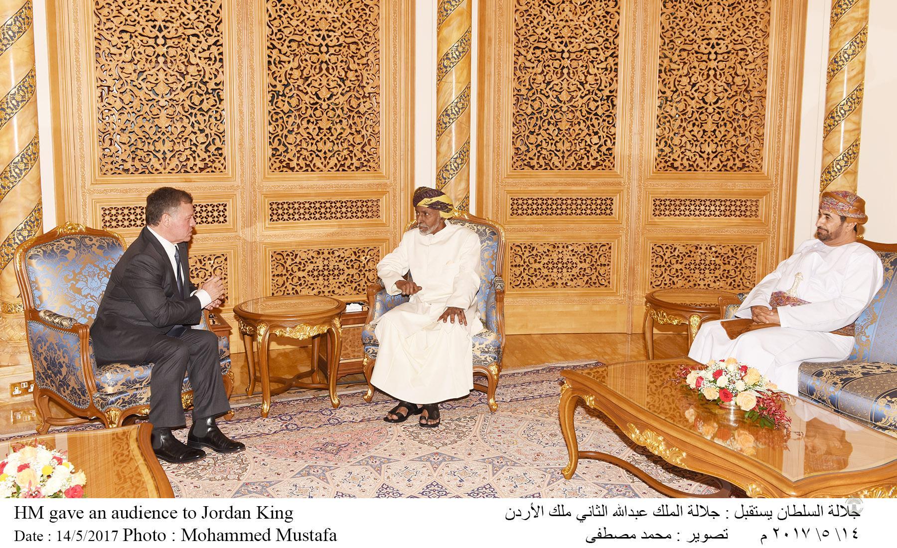 بالصور: جلالة السلطان قابوس يستقبل ملك الأردن