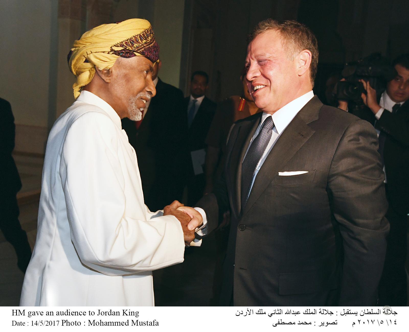 جلالة السلطان قابوس يعقد لقاء أخويا مع ملك الأردن