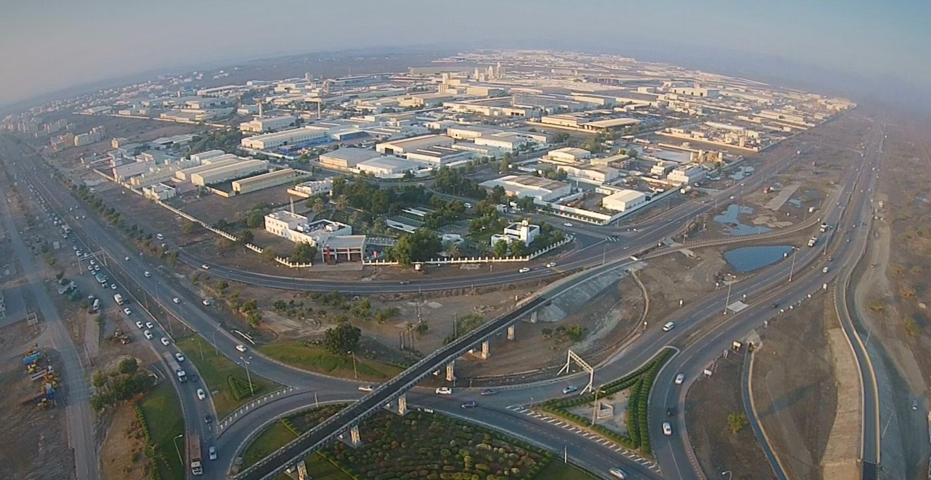 صحيفة أمريكية تؤكد أن السلطنة أكثر البلدان استقرارا في الشرق الأوسط