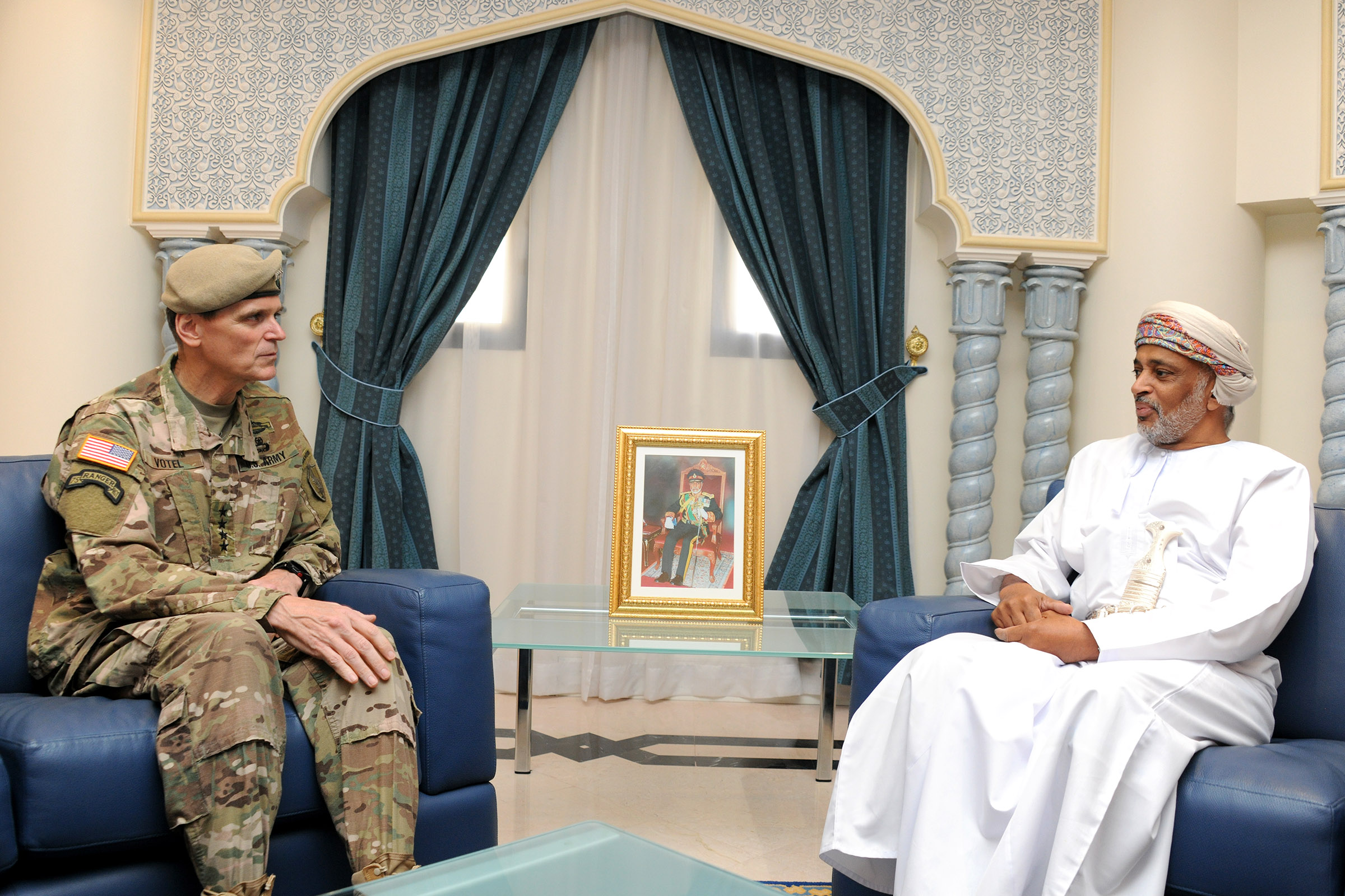Oman's Defence Secretary General receives US Central Command Commander