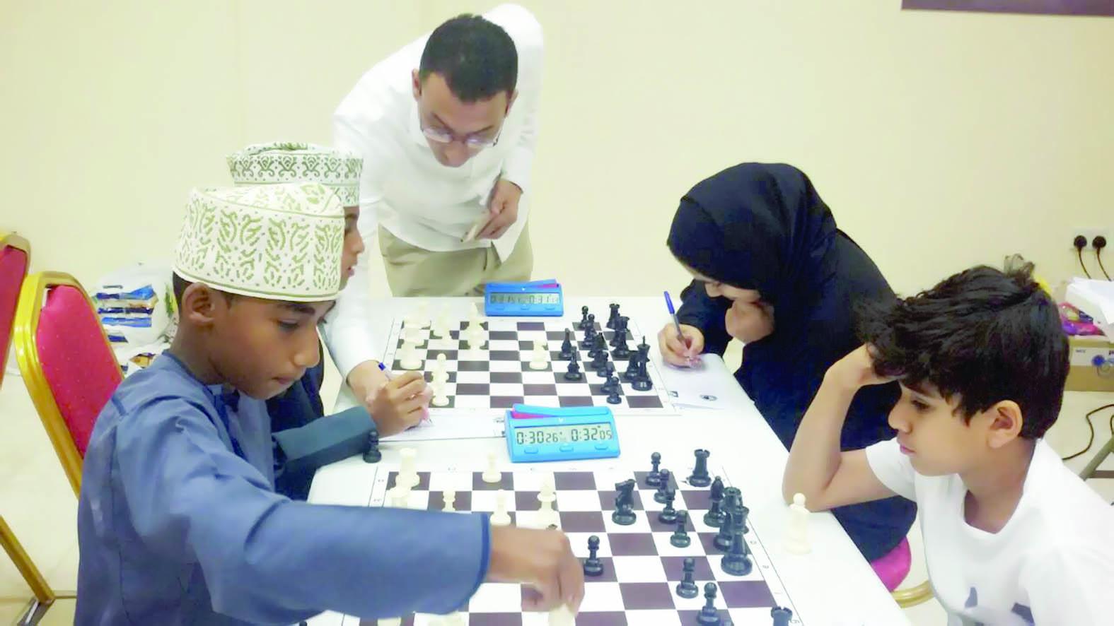 تنظمه اللجنة العمانية للشطرنجتواصل المعسكر الأول لمراكزإعداد ناشئي الشطرنج بنادي الأمل