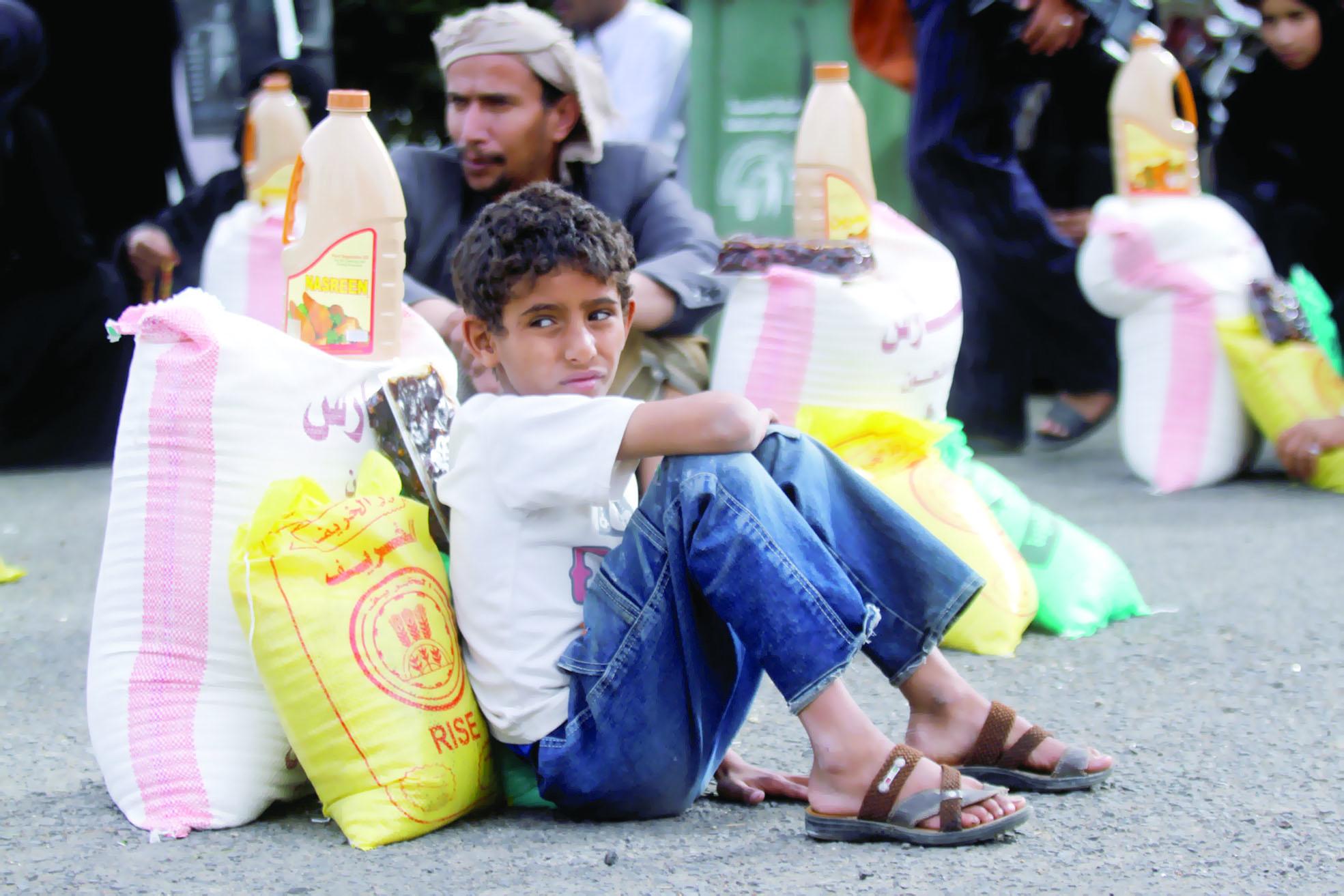 العام الجاري سيكون الأسوأالجوع والكوليرا ينهشان أجساد اليمنيين
