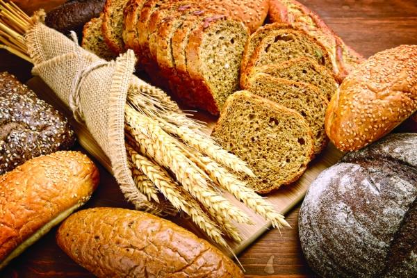 الخبز البني يساعد على تحسن مستويات السكر بالدم