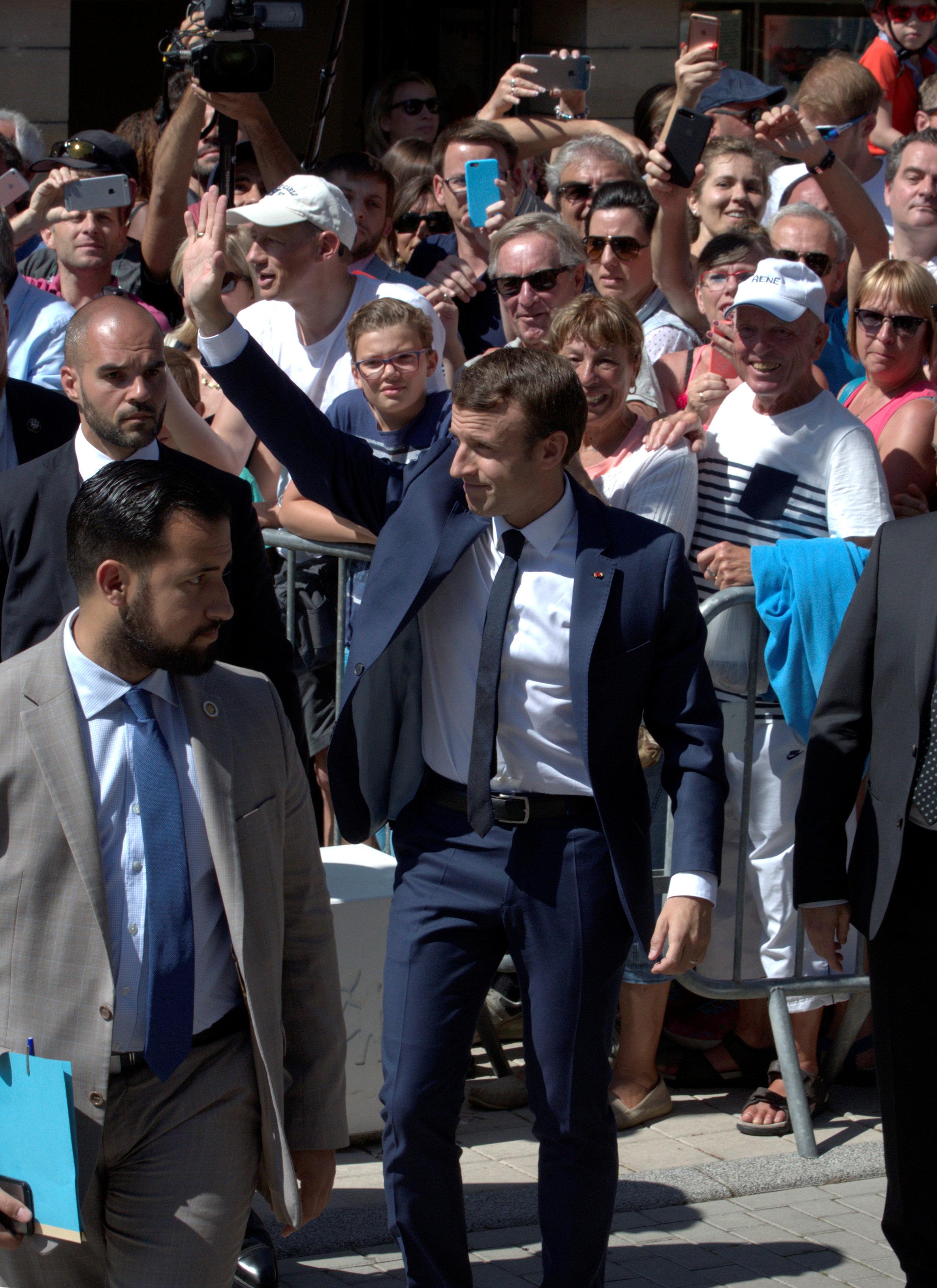 تعرف على أهم القوى السياسية المتنافسة في الانتخابات الفرنسية