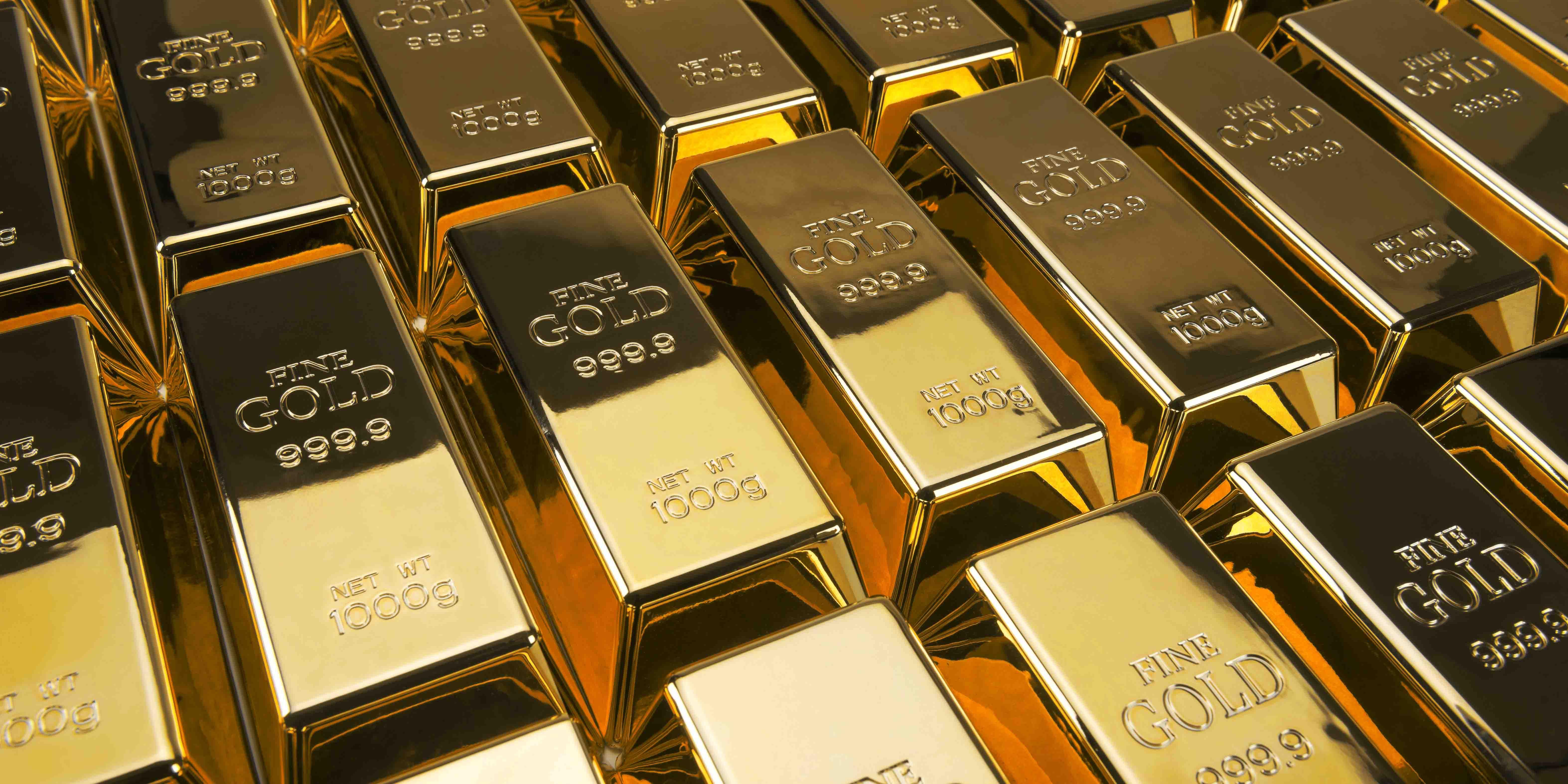 الذهب يستفيد من الظروف ويرتفع