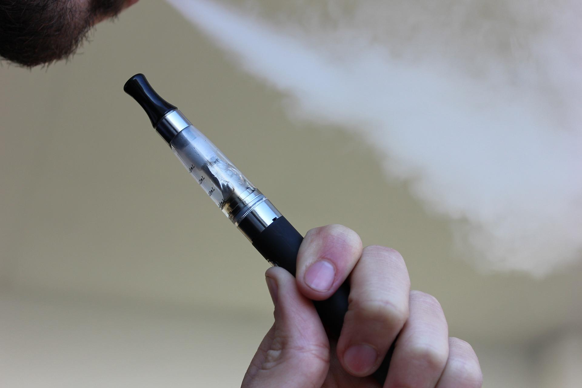 السجائر الإلكترونية تؤثر على بنية الحمض النووي