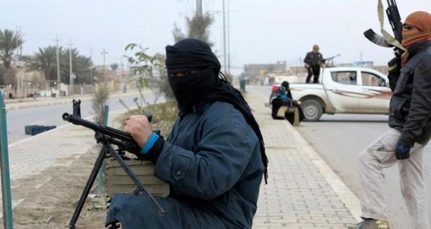 """هروب جماعي لقادة """"داعش"""" من الرقة والموصل"""