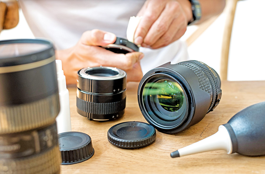 Oman technology: Clean your camera lenses like a pro