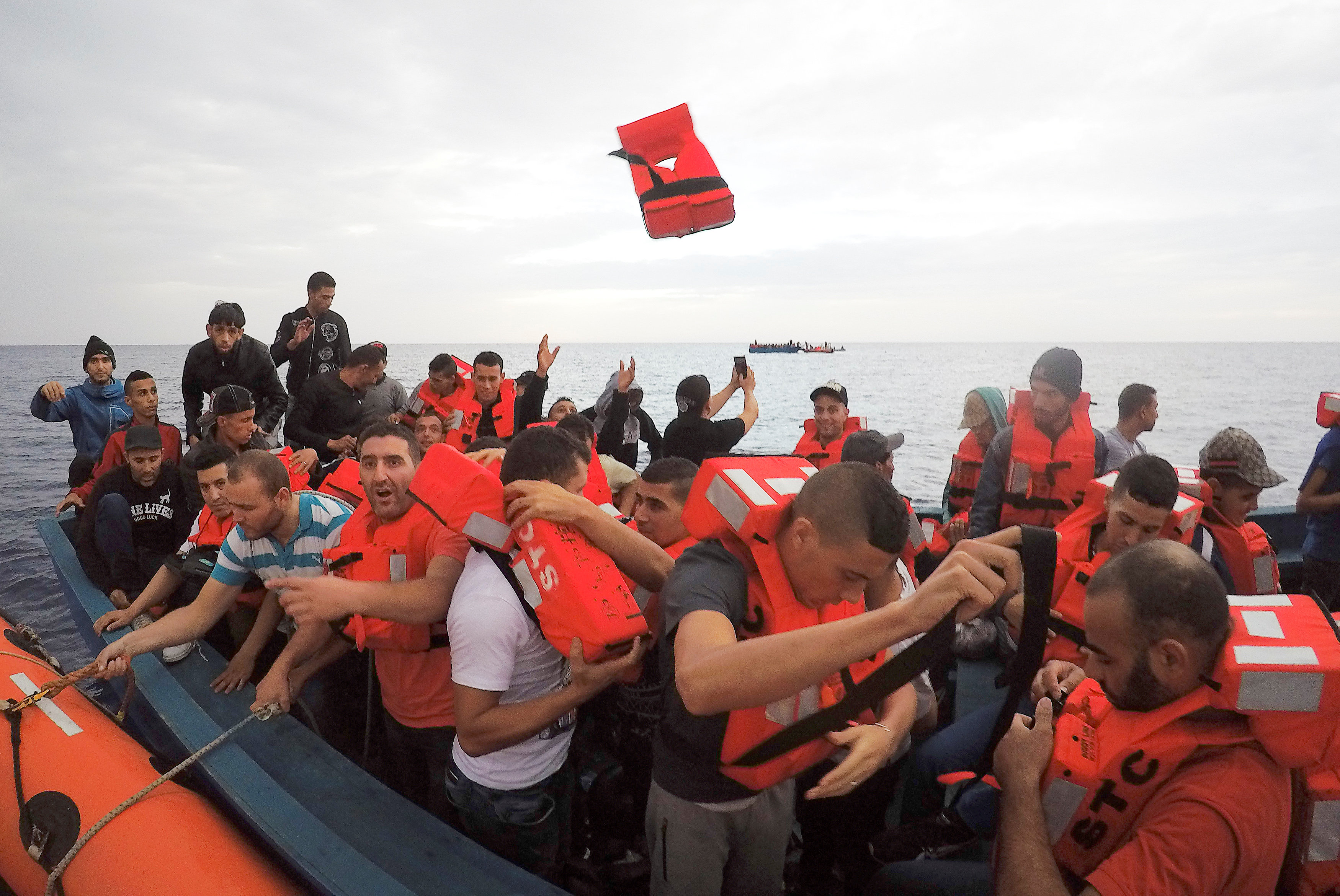Hundreds of migrants rescued in boats off Libyan coast