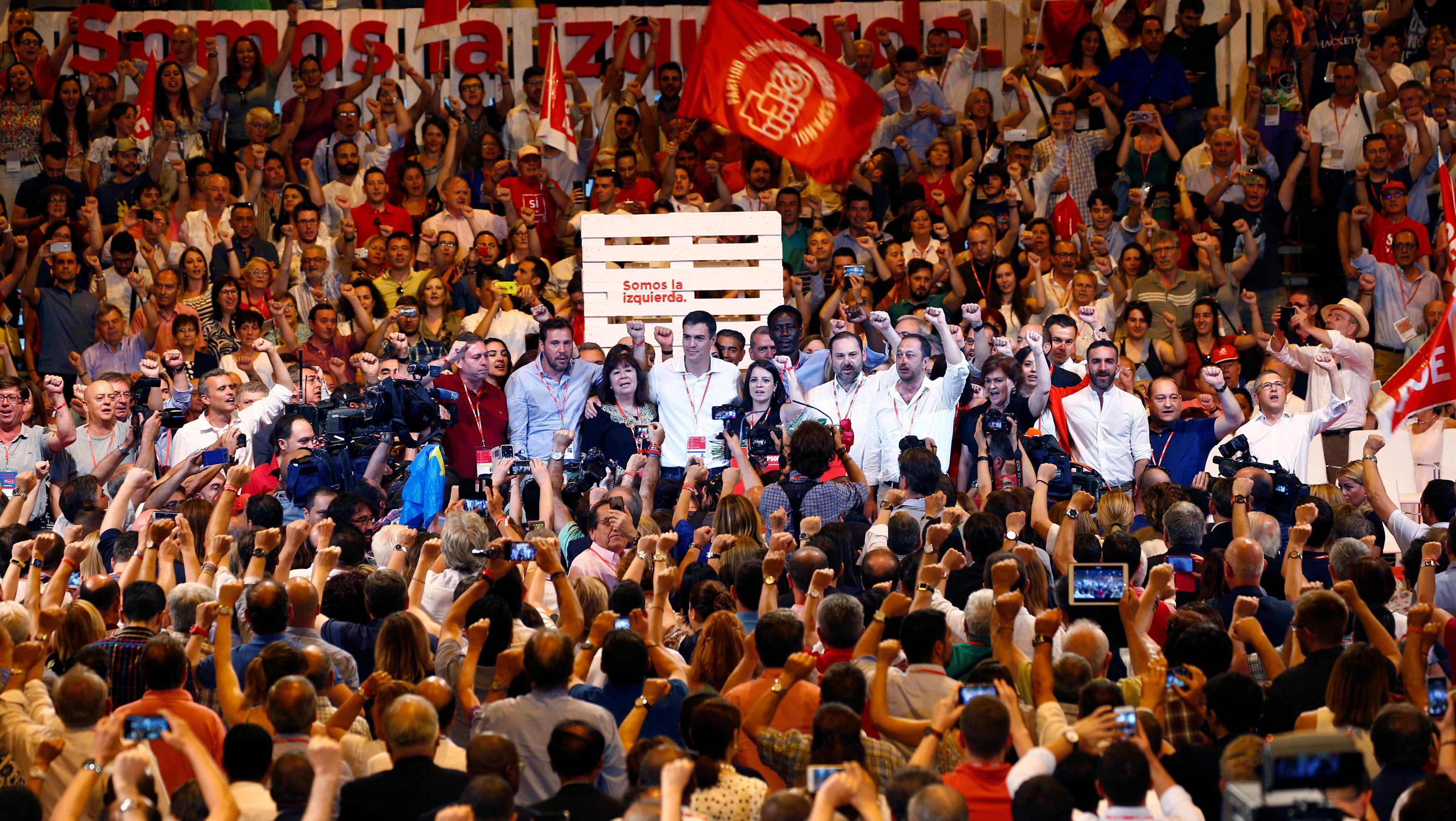 Spanish Socialists crown Sanchez new leader