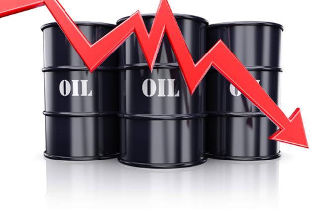 لهذه الأسباب.. النفط يهبط من جديد