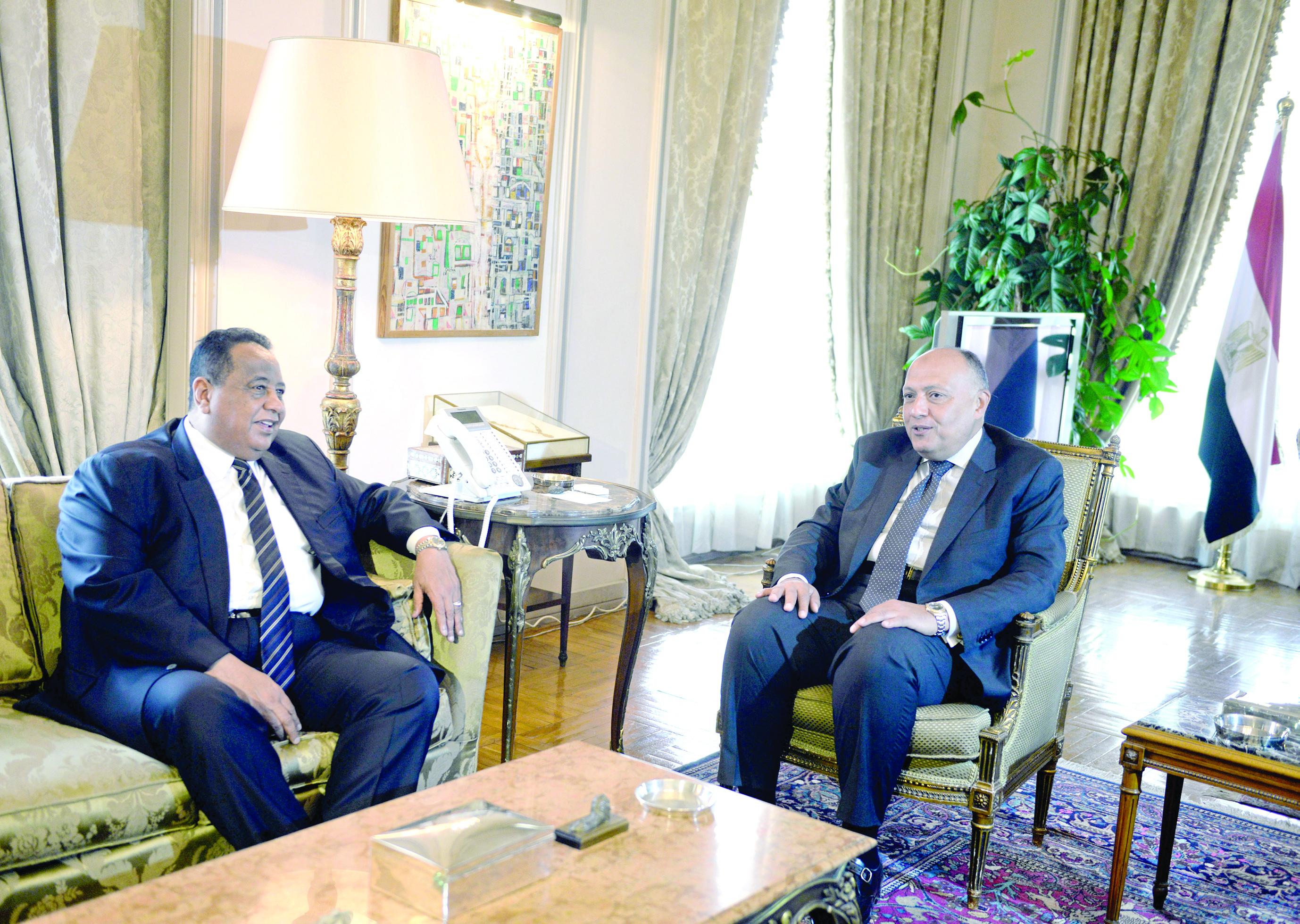 ترطيب الأجواء بين القاهرة والخرطوم