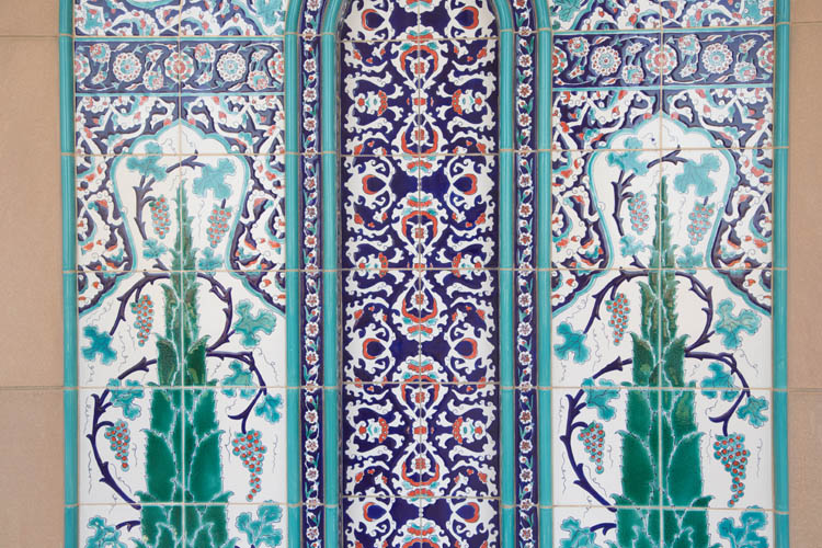 Images of worship: Sultan Qaboos Grand Mosque