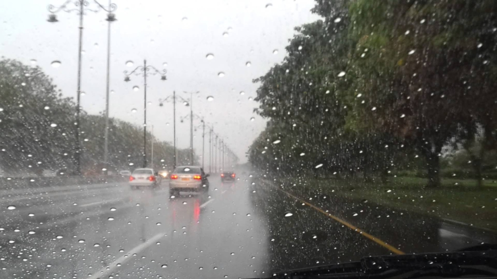 أمطار خفيفة ومتوسطة على عدد من ولايات السلطنة