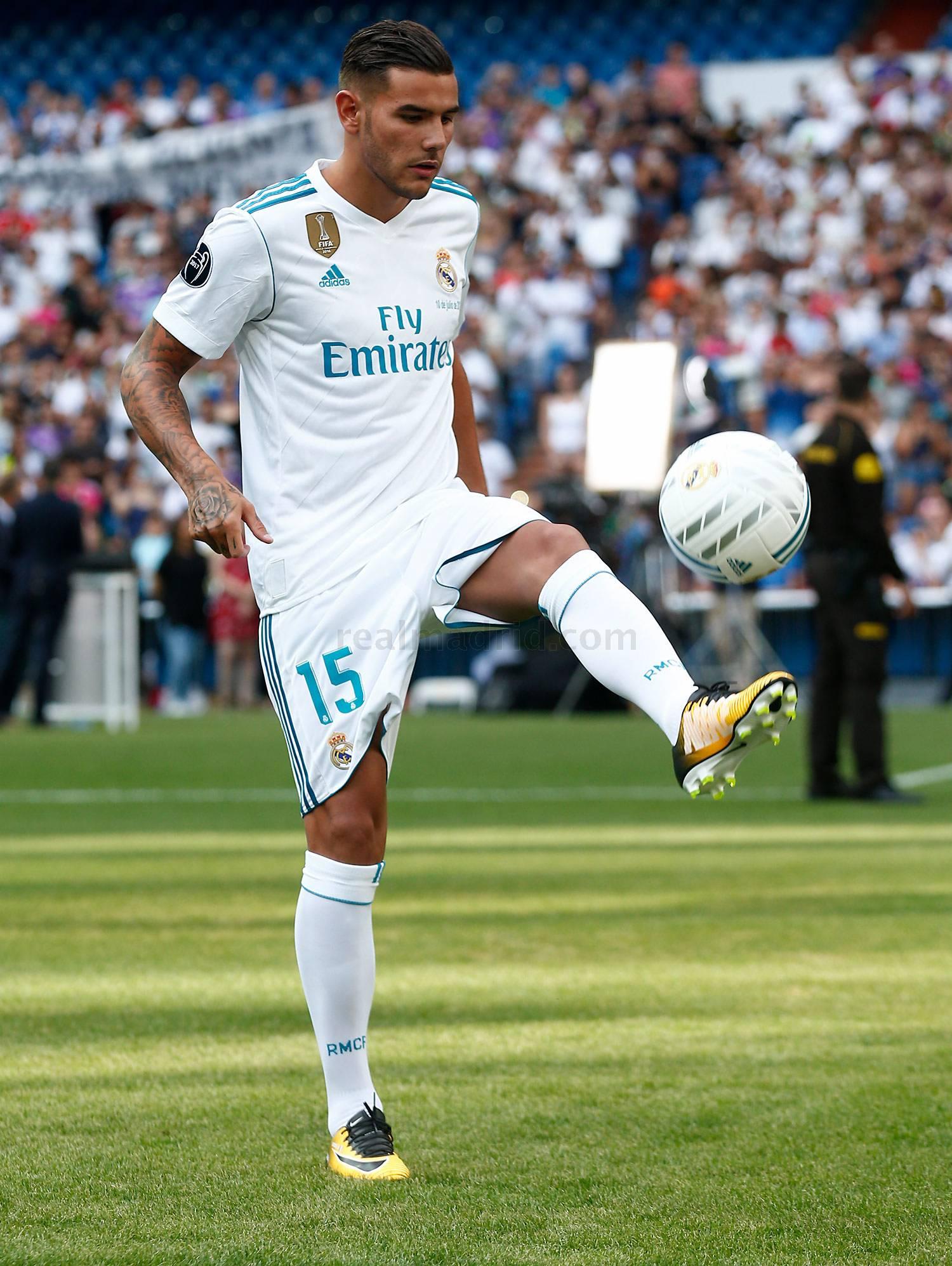 أول تعليق لثيو هرنانديز بعد انضمامه إلى ريال مدريد