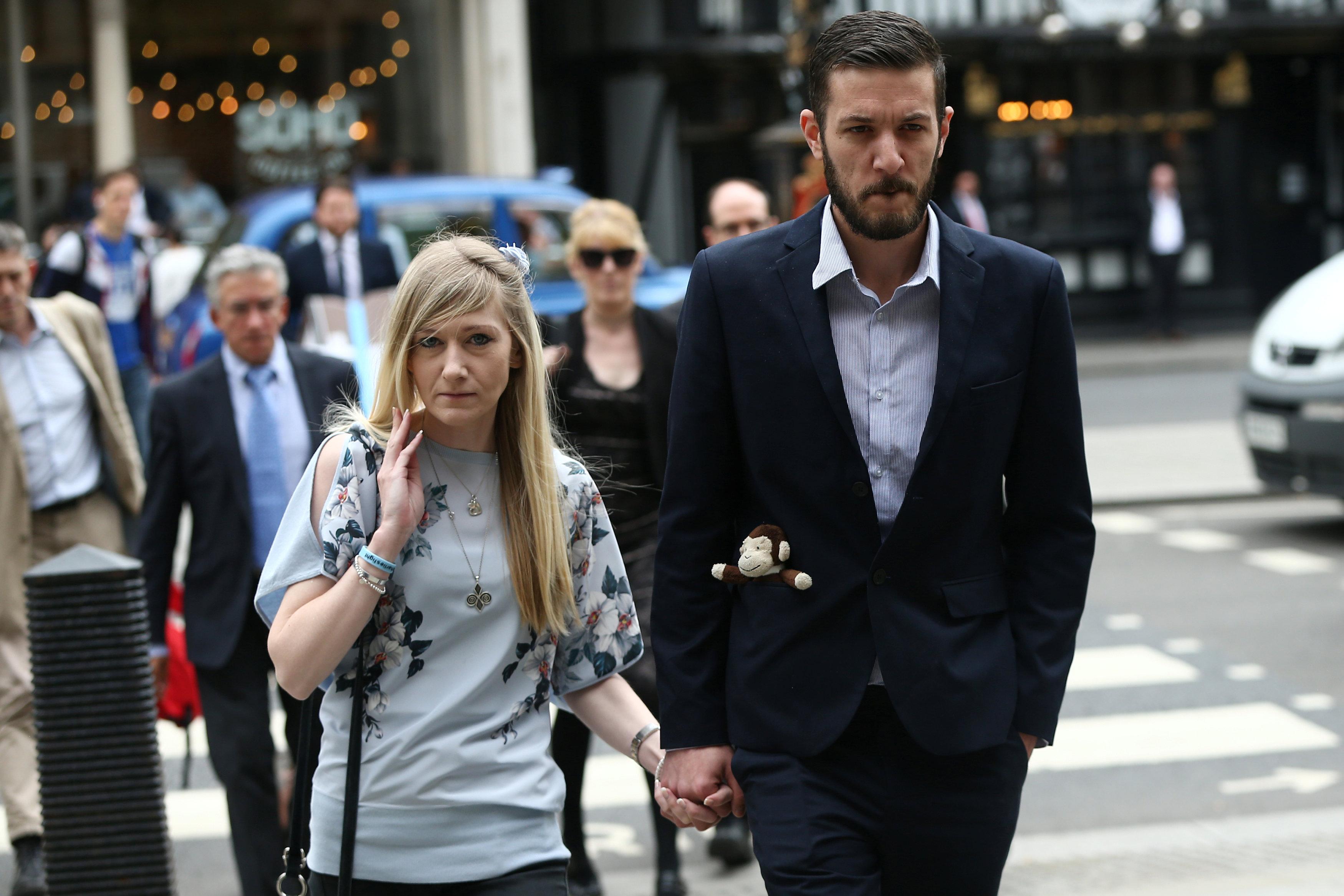 U.S. expert flies to Britain to examine baby Charlie Gard