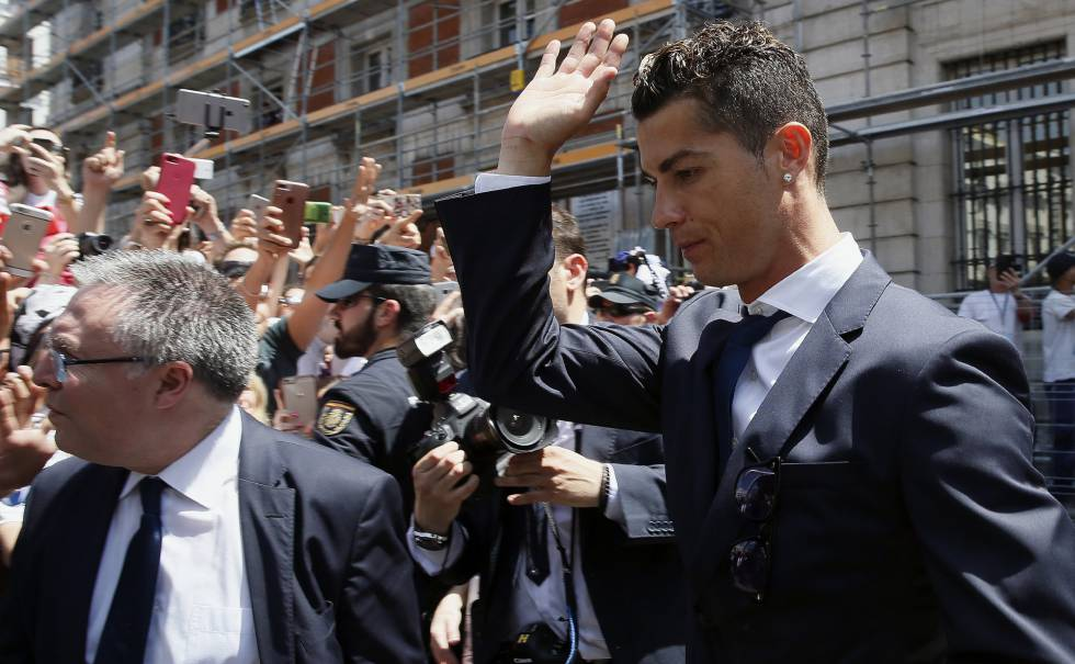 رونالدو يستهل موسمه في المحكمة