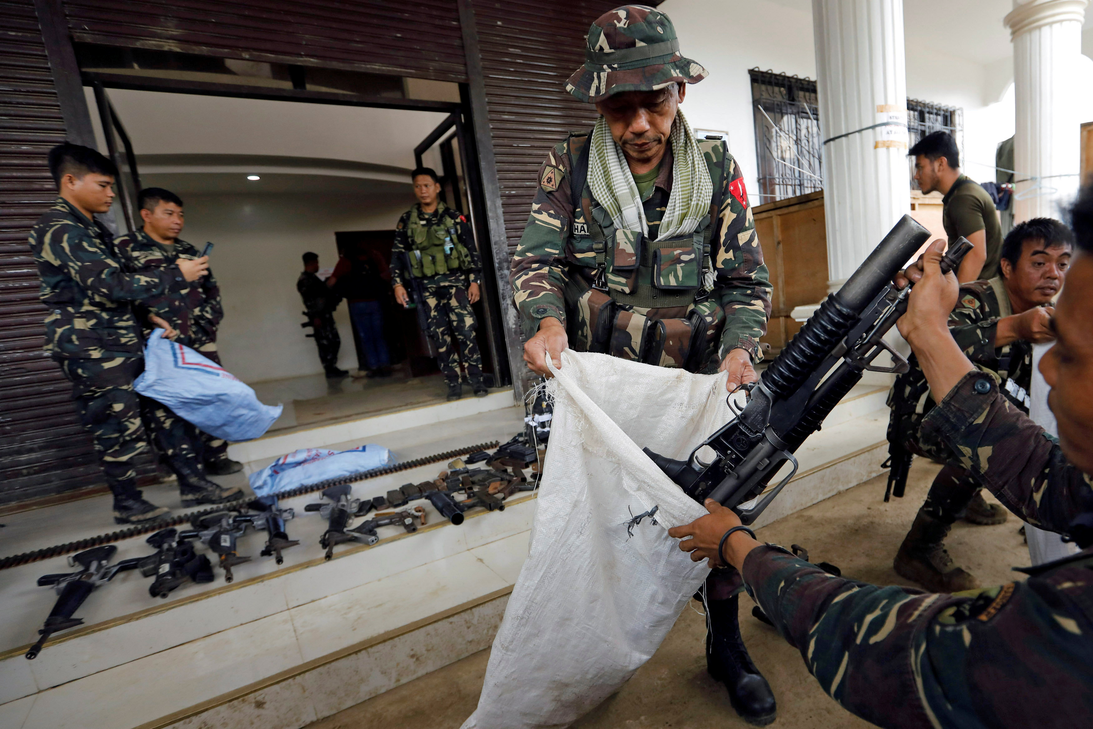 Philippine troops arrest Marawi militants' main financier
