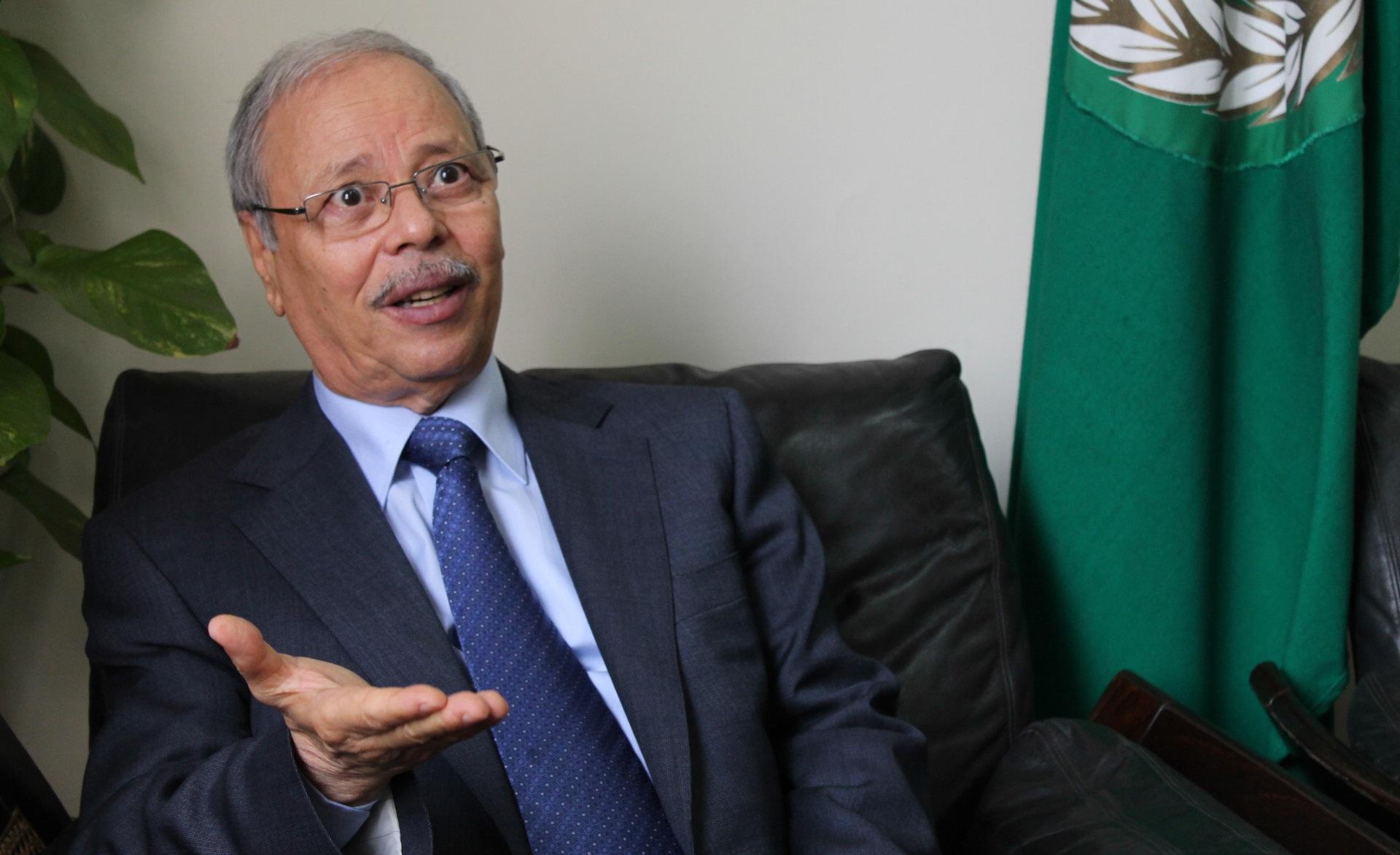 وفاة أحمد بن حلي نائب أمين الجامعة العربية عن 77 عاماً