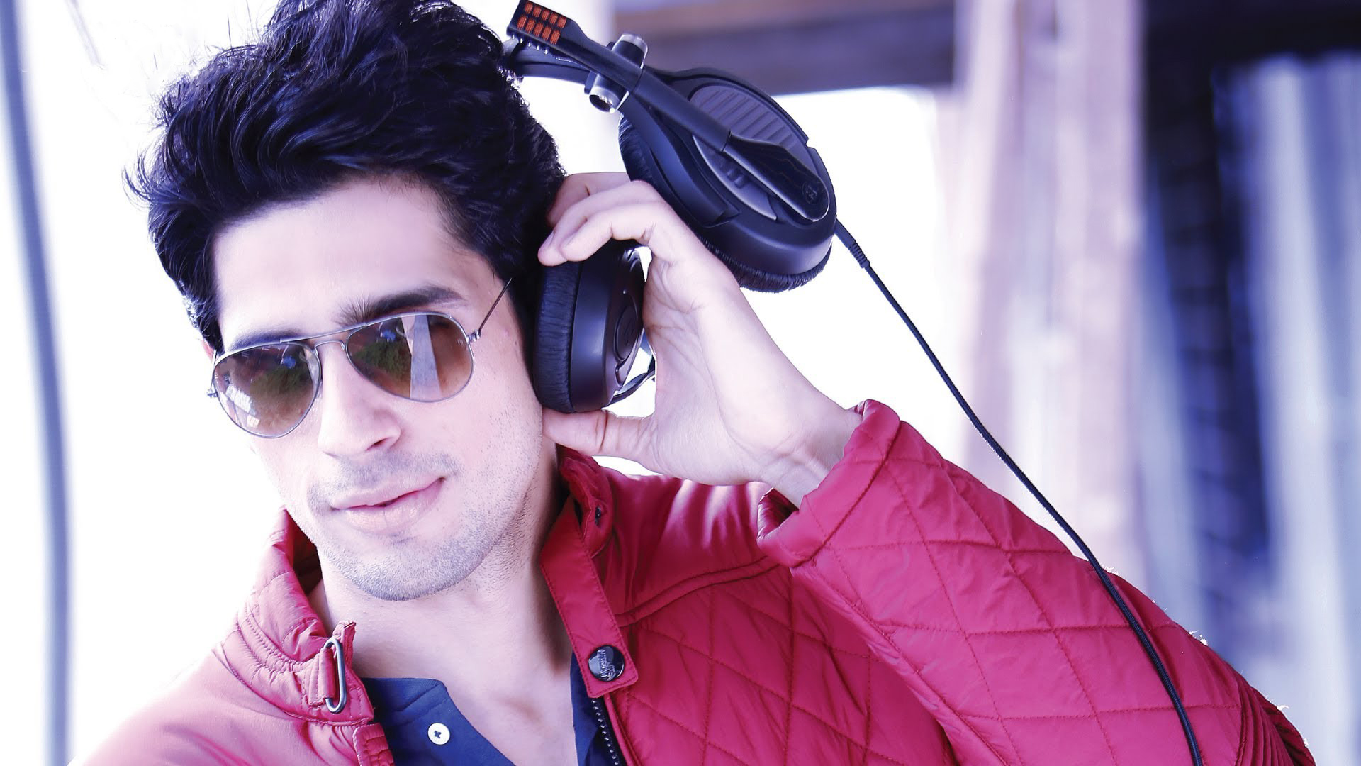Waste of time to think about other people's work: Sidharth