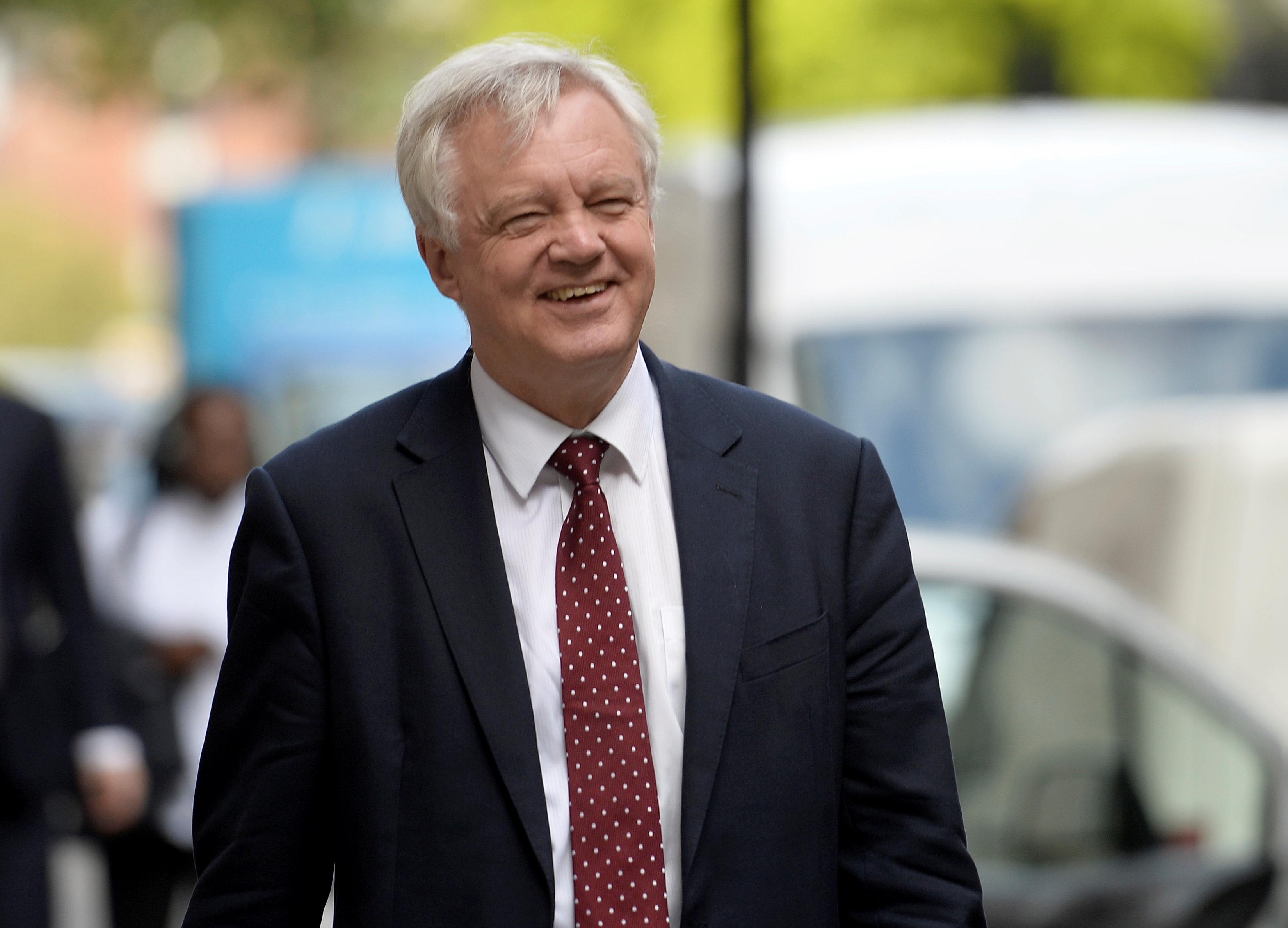 Britain proposes new EU customs deal