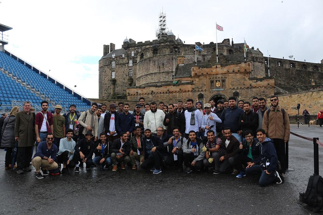 وفد الرحلة السنوية لطلبة جامعة السلطان قابوس يصل المملكة المتحدة