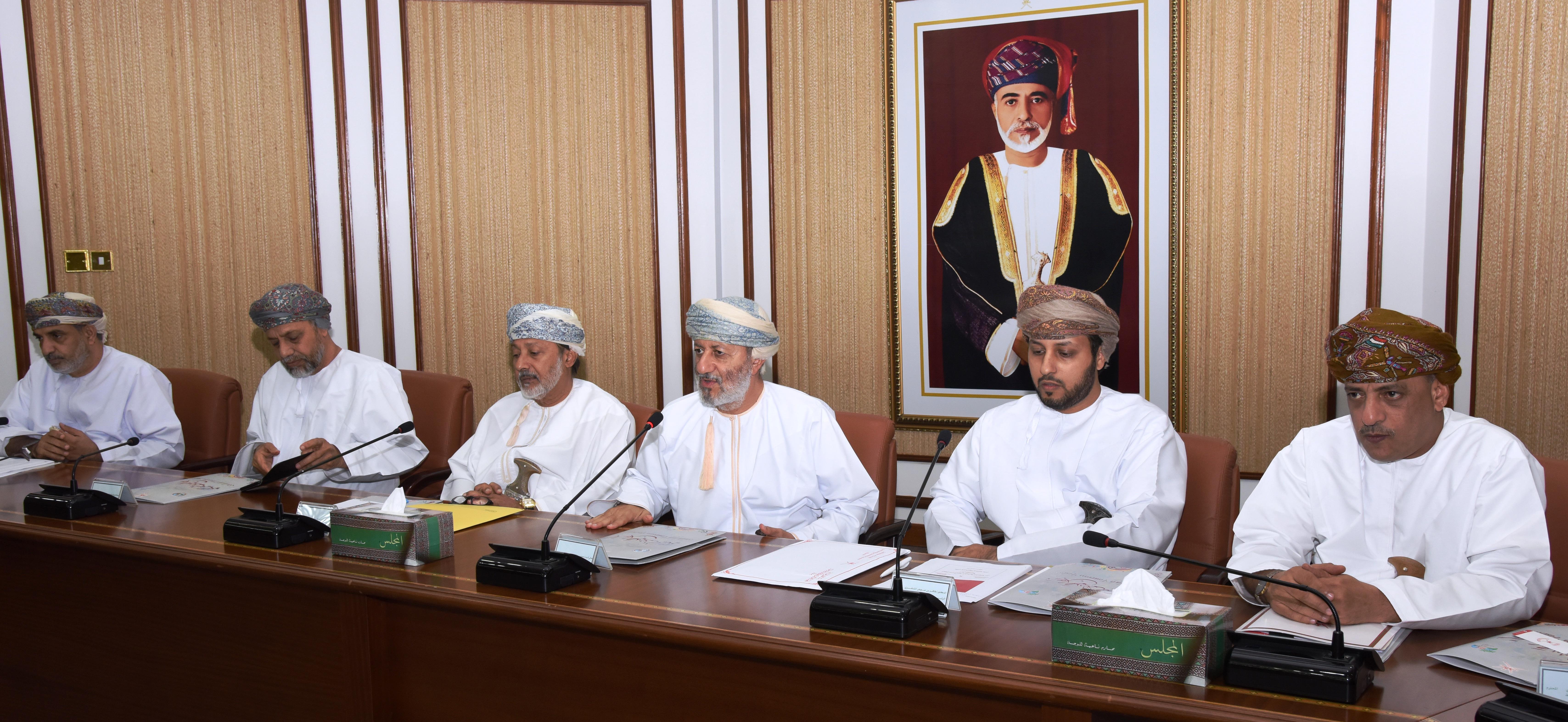 وزير الدولة ومحافظ ظفار بمسؤولي الهيئة العمانية للشراكة من أجل التنمية