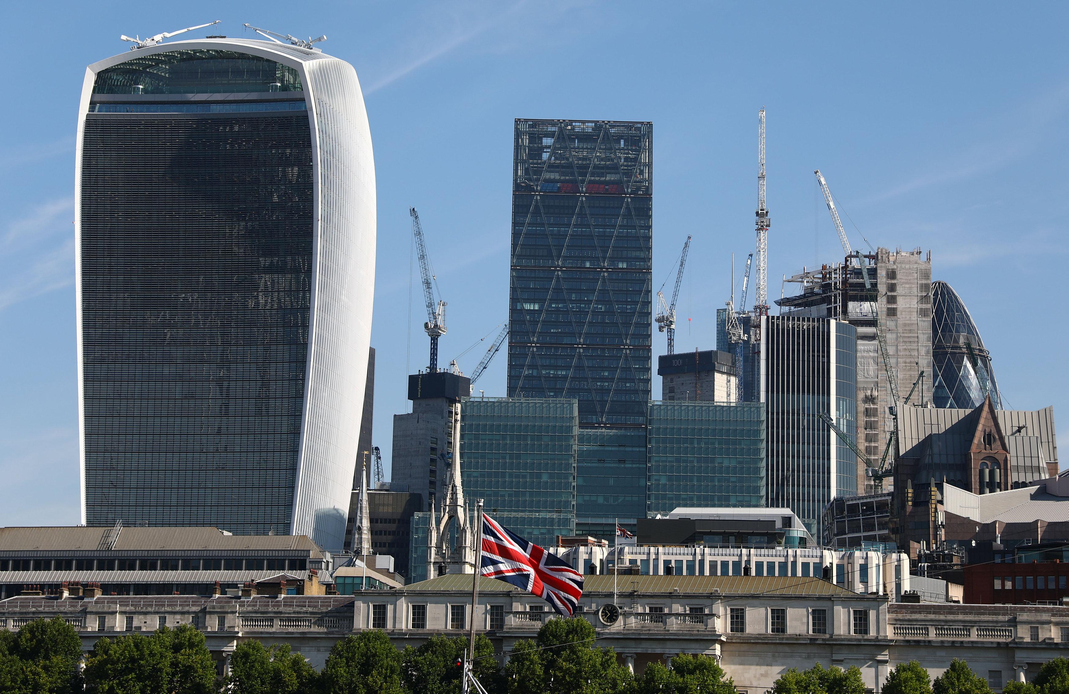 Hong Kong property investors go trophy hunting in London