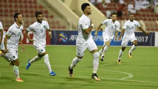 الأهلي السعودي يتعادل مع بيرسبوليس الإيراني في مسقط