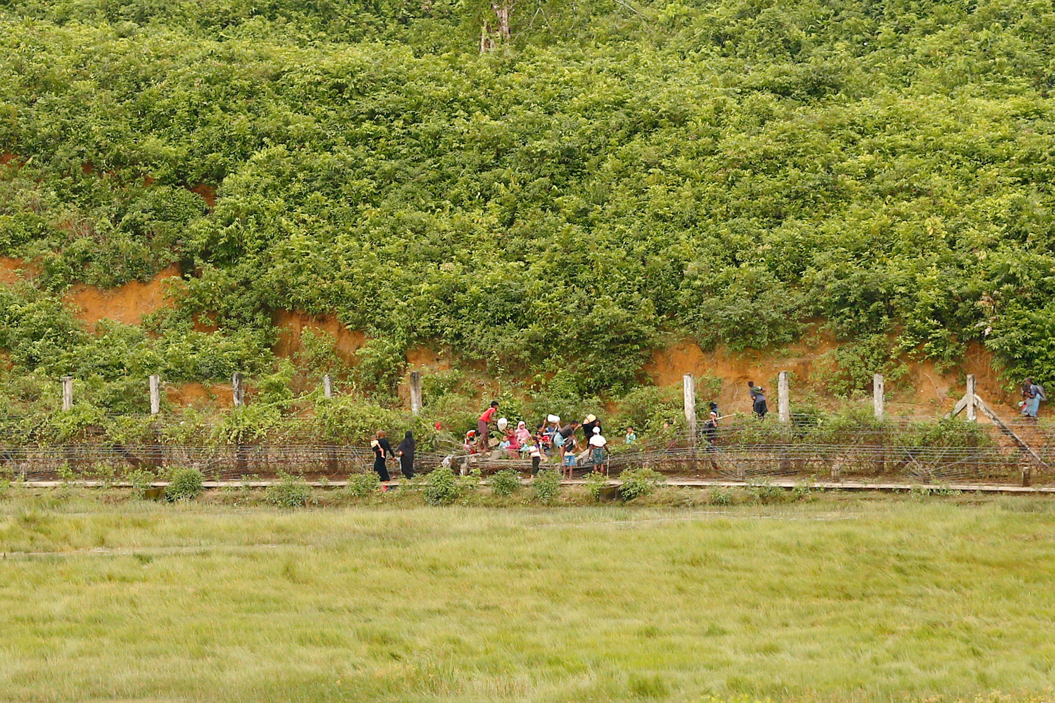 Myanmar evacuates 4,000 non-Muslim villagers amid clashes in Rakhine state