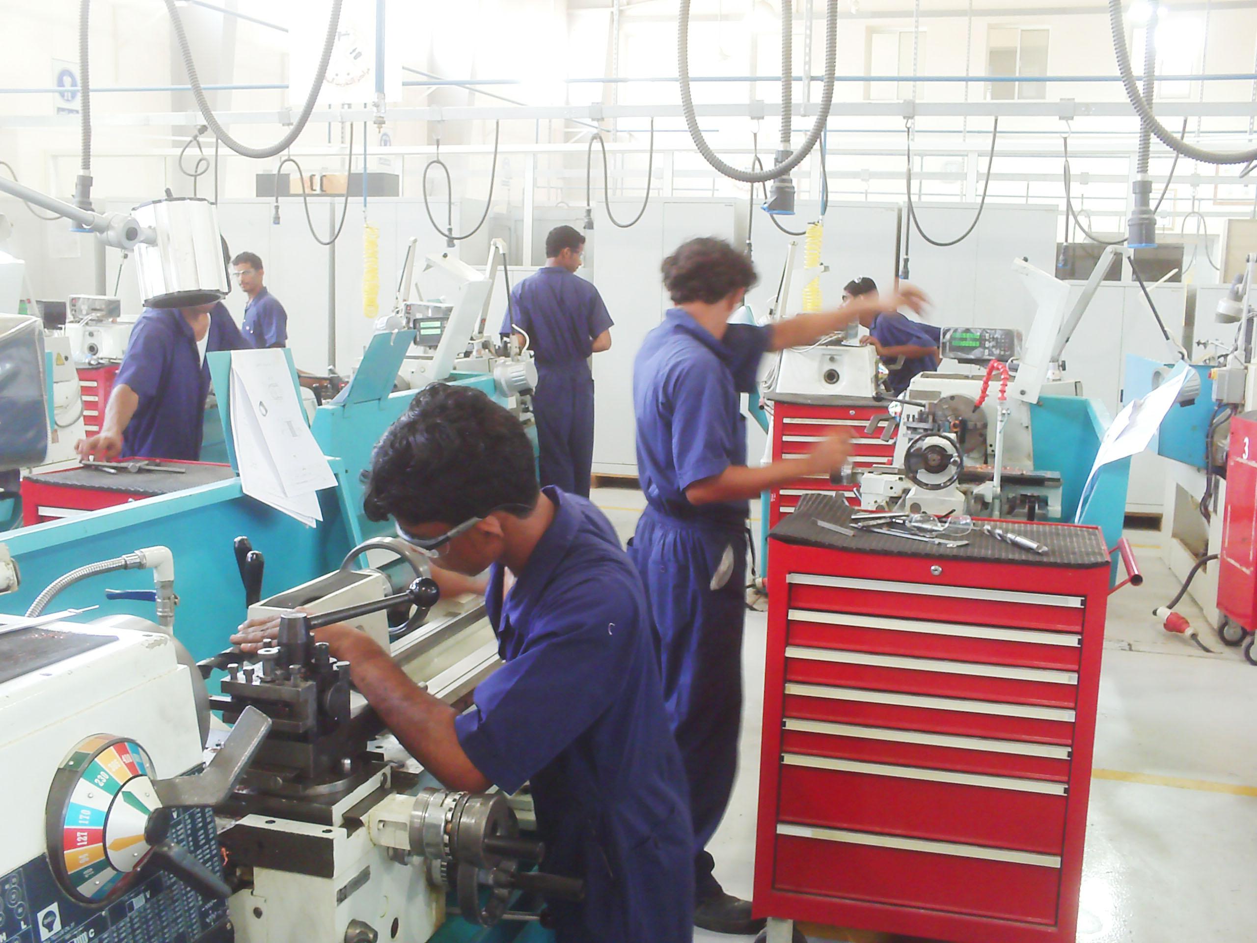 2,000 Omani university students to undergo job training