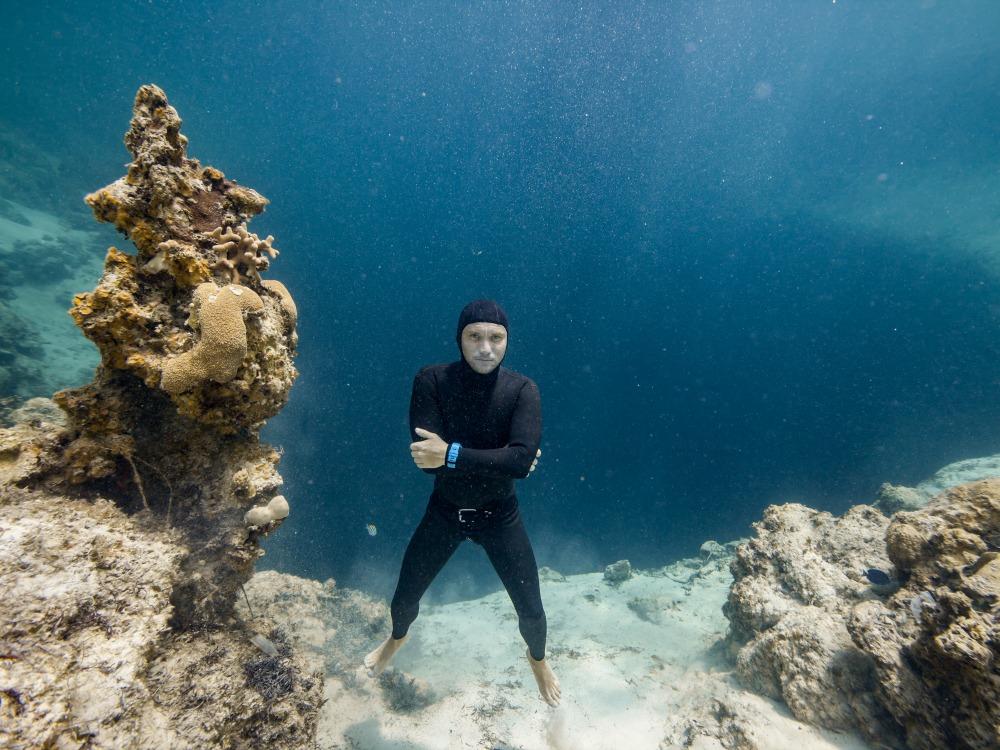 """تزايد ضحايا هوس """"الفري دايفينج"""" في أعماق البحار"""