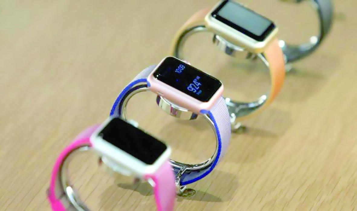 «آبل» تنتج ساعات ذكية بوسعها إجراء اتصالات هاتفية