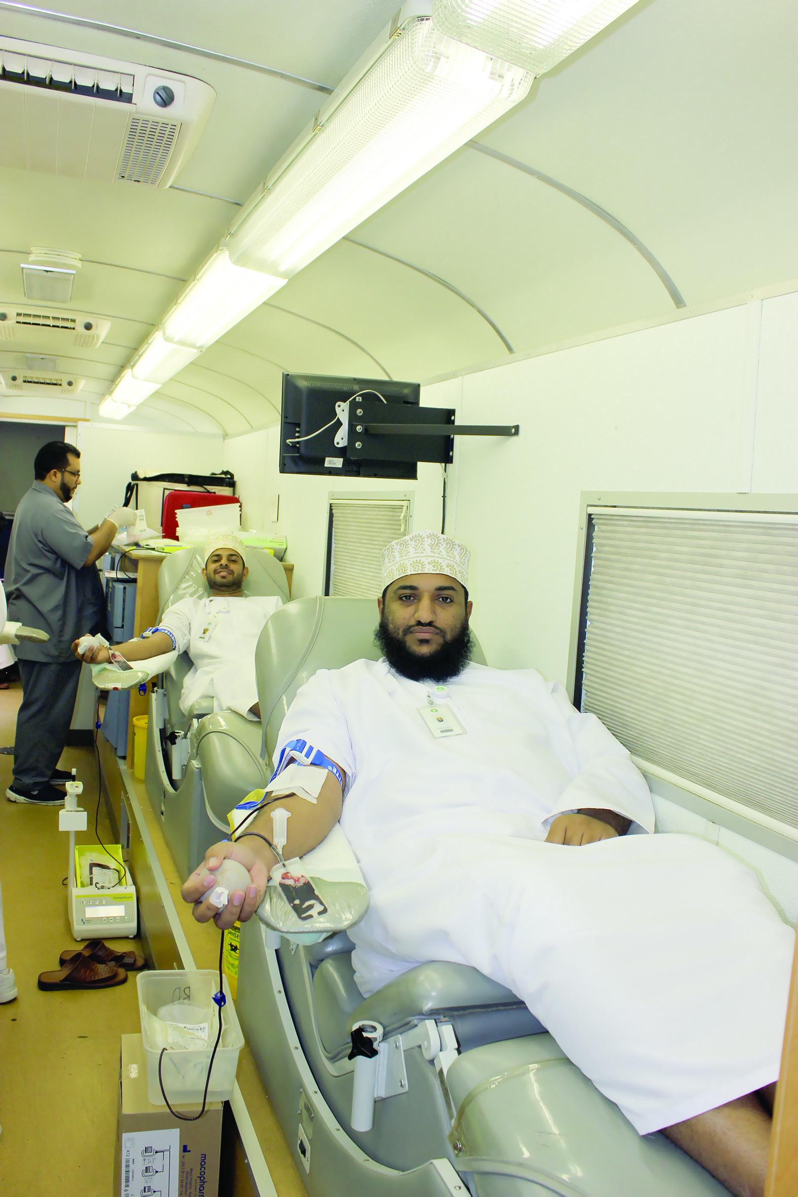 «العُمانية لنقل الكهرباء»تنظم حملة للتبرع بالدم