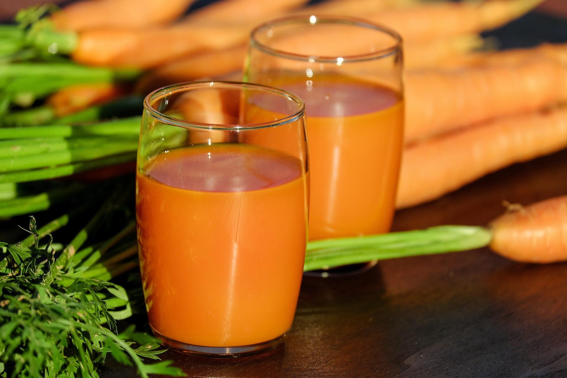 10 فوائد صحية لعصير الجزر