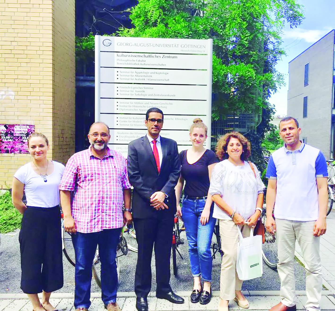 «بوليغلوت» يروّج للسلطنة كمركز لتعلم اللغة العربية